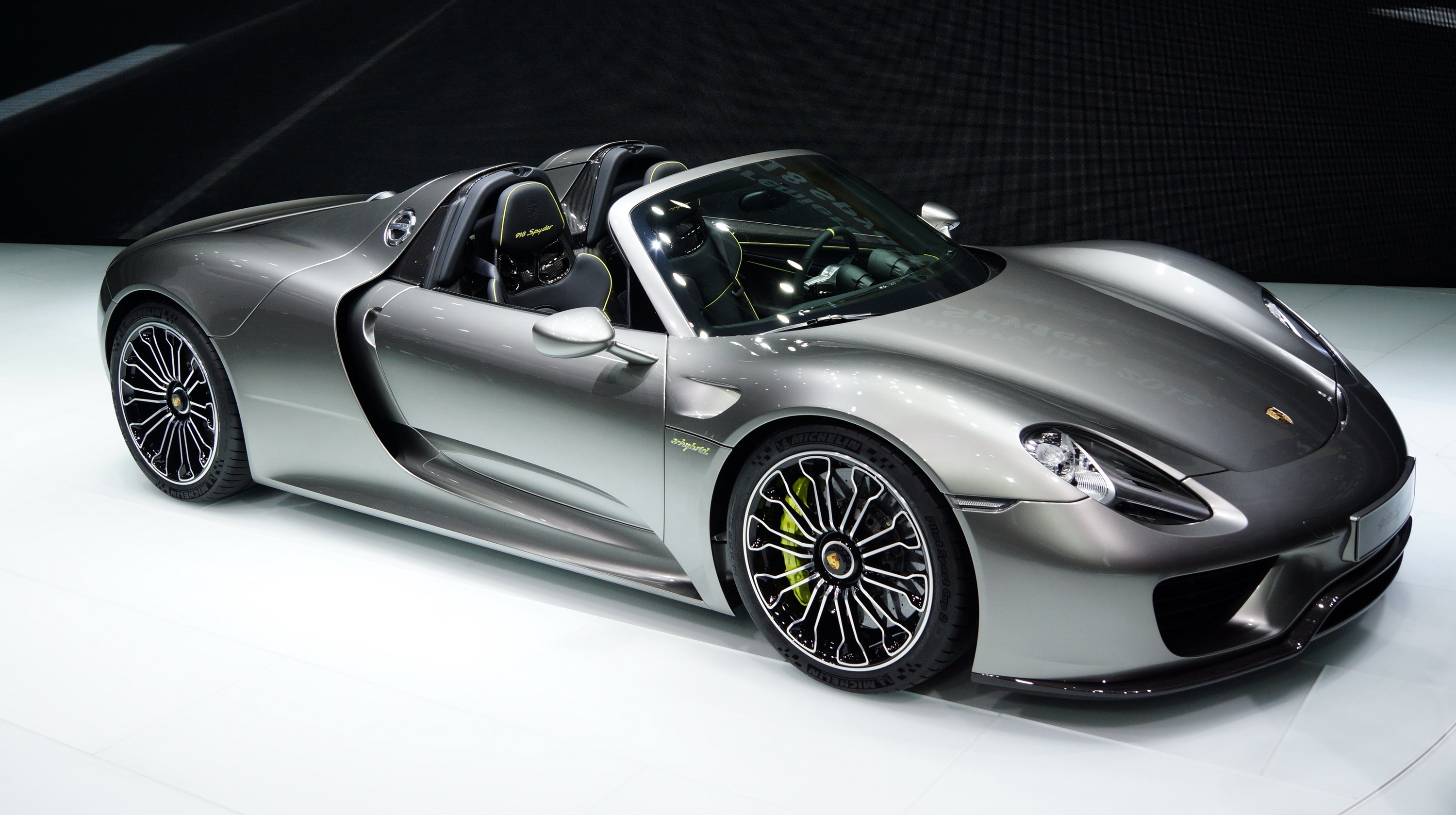 Porsche 918 Spyder Nearly Sold Out Picture.