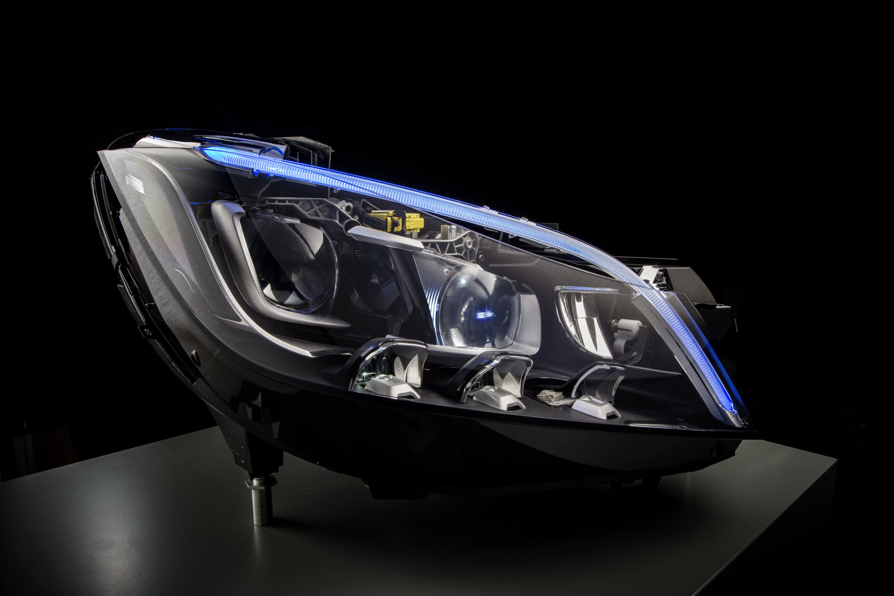 Mercedes Previews Its New LED Headlights   Top Speed