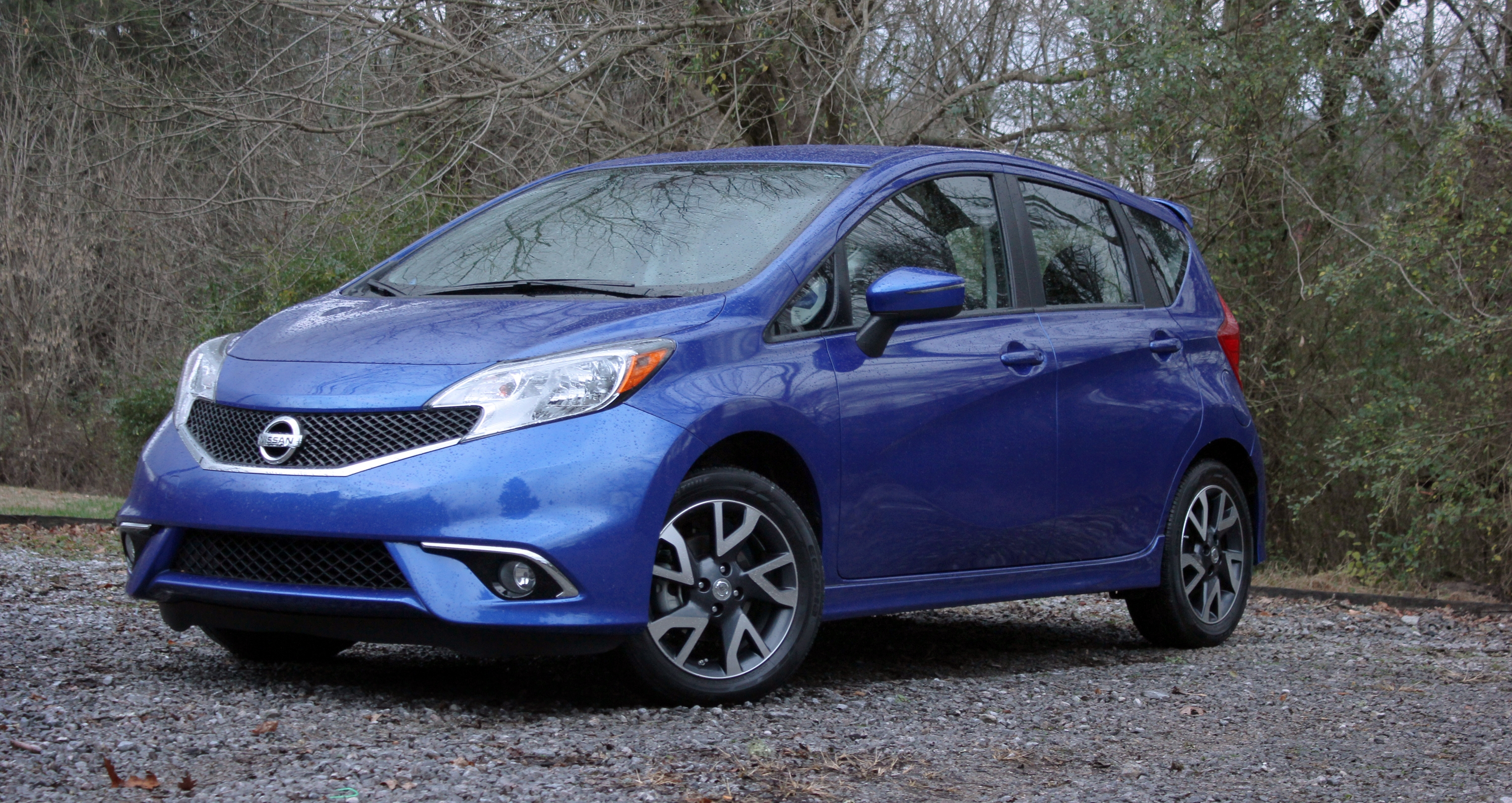 camra img alloy backup hatchback blutooth certified wheels note listings versa full nissan