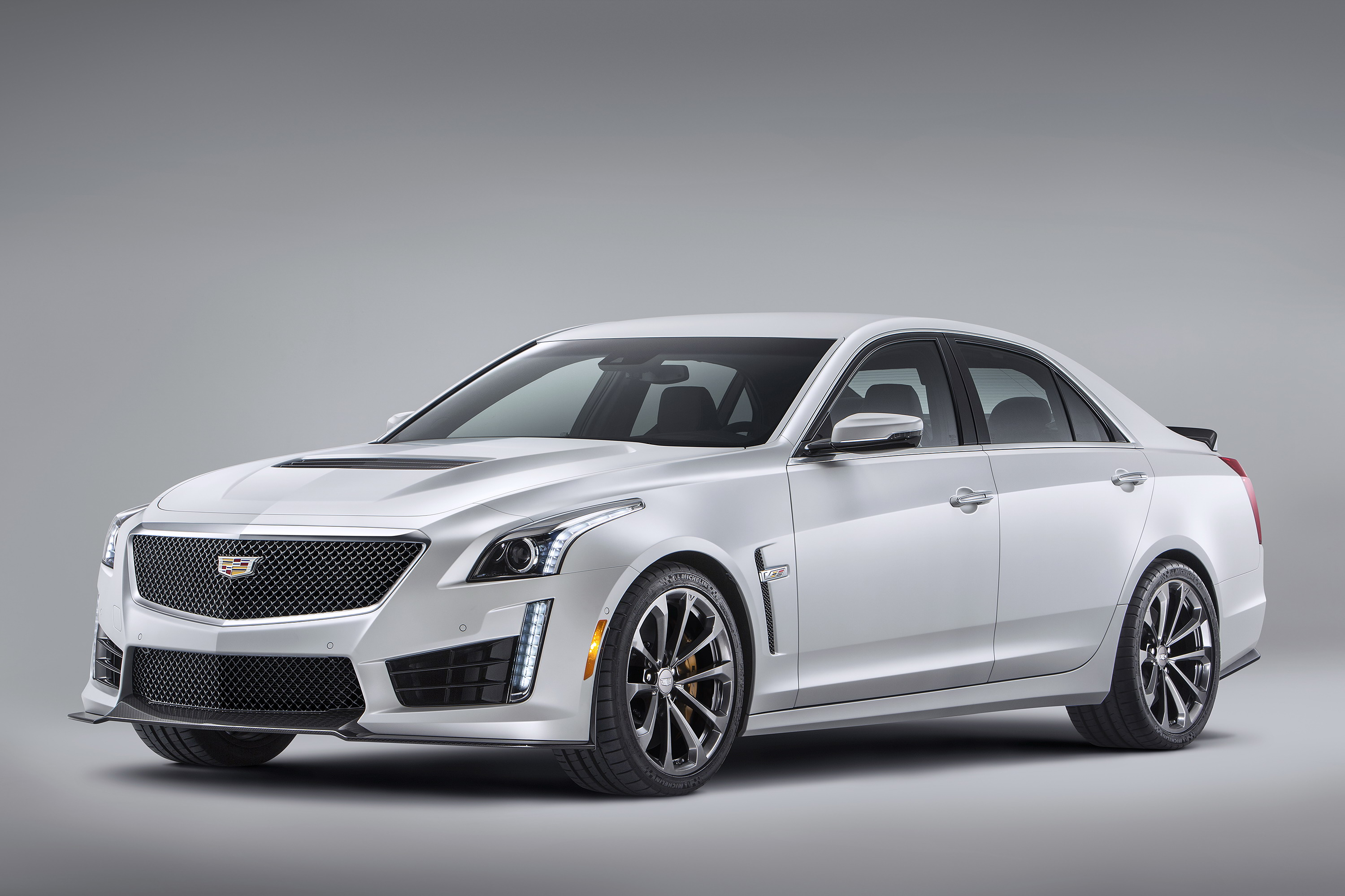 cadillac view cars and side rating reviews trend front v cts motor