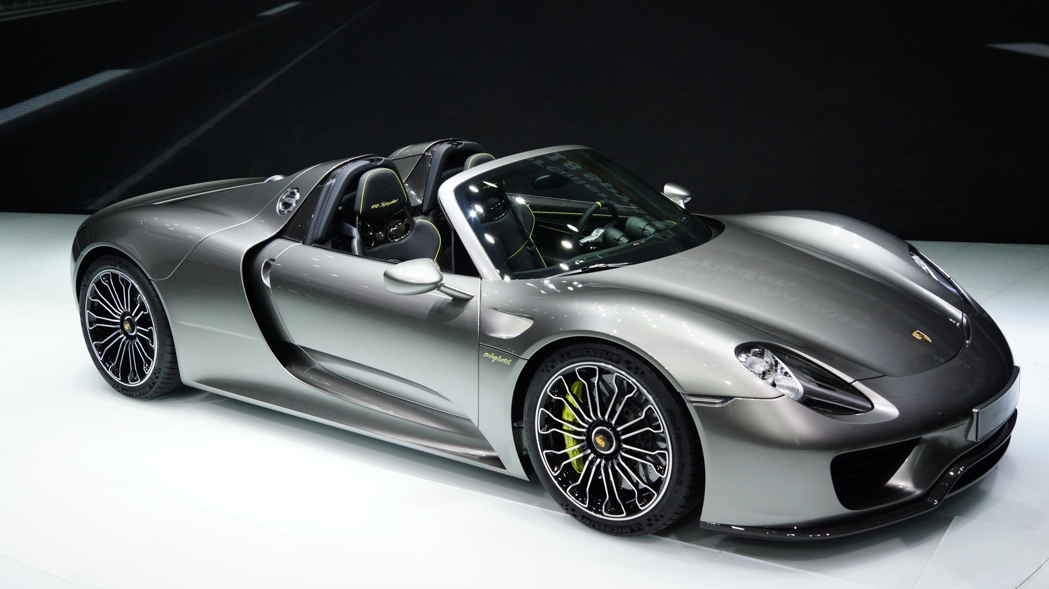 porsche 918 spyder sold out but a successor is in the. Black Bedroom Furniture Sets. Home Design Ideas