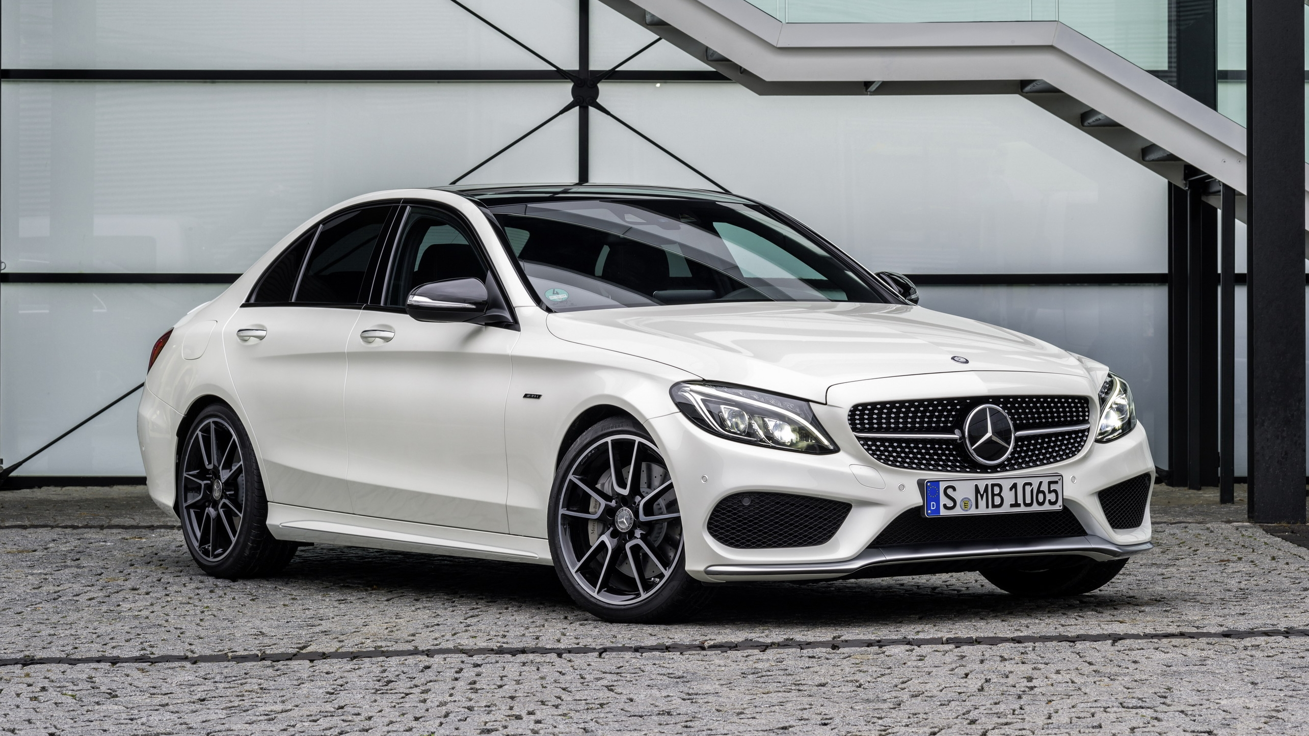 Mercedes benz plans amg sport model growth picture top for Best mercedes benz model