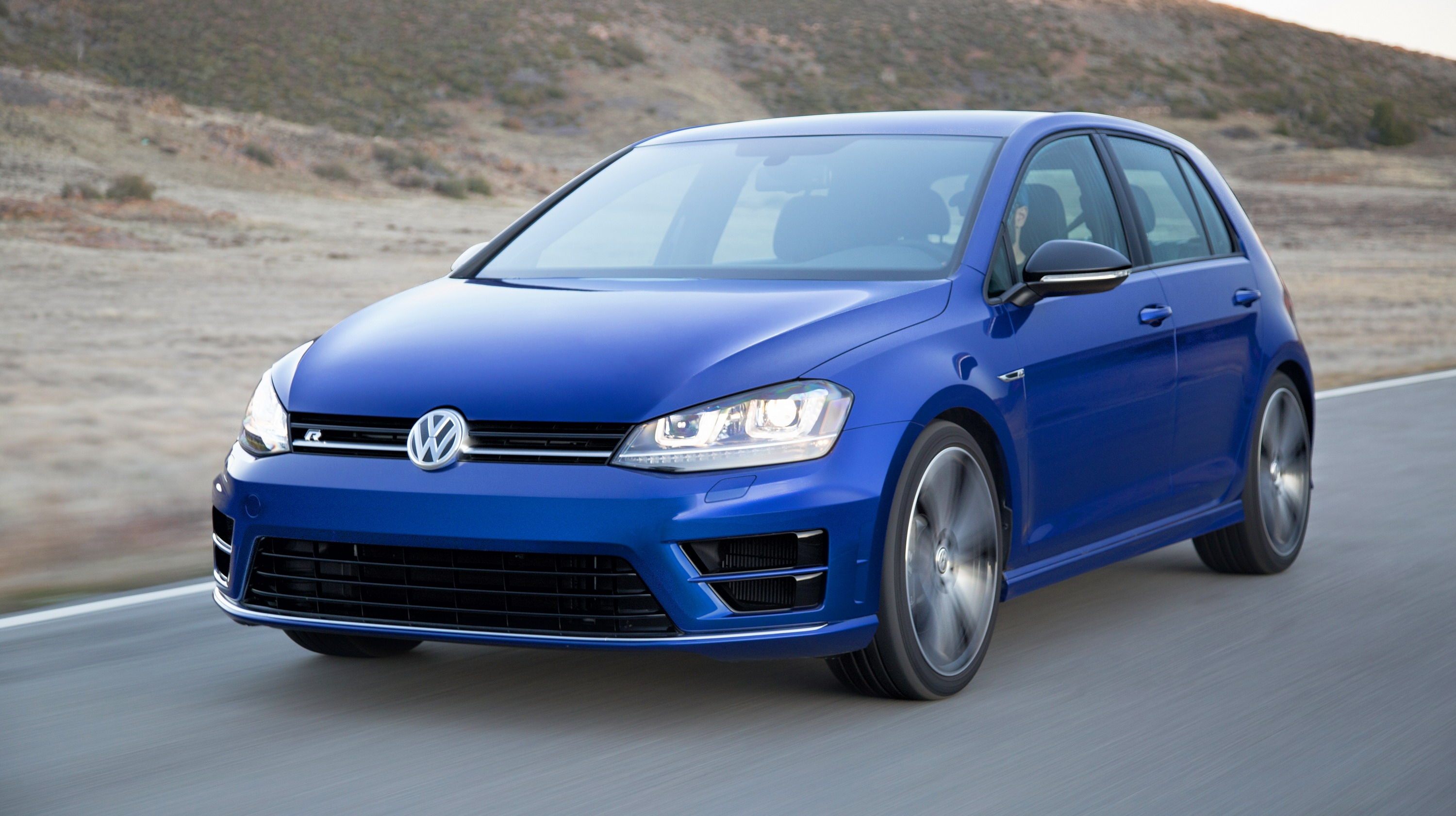 riding shotgun in a vw golf r driven by scott speed video news top speed. Black Bedroom Furniture Sets. Home Design Ideas