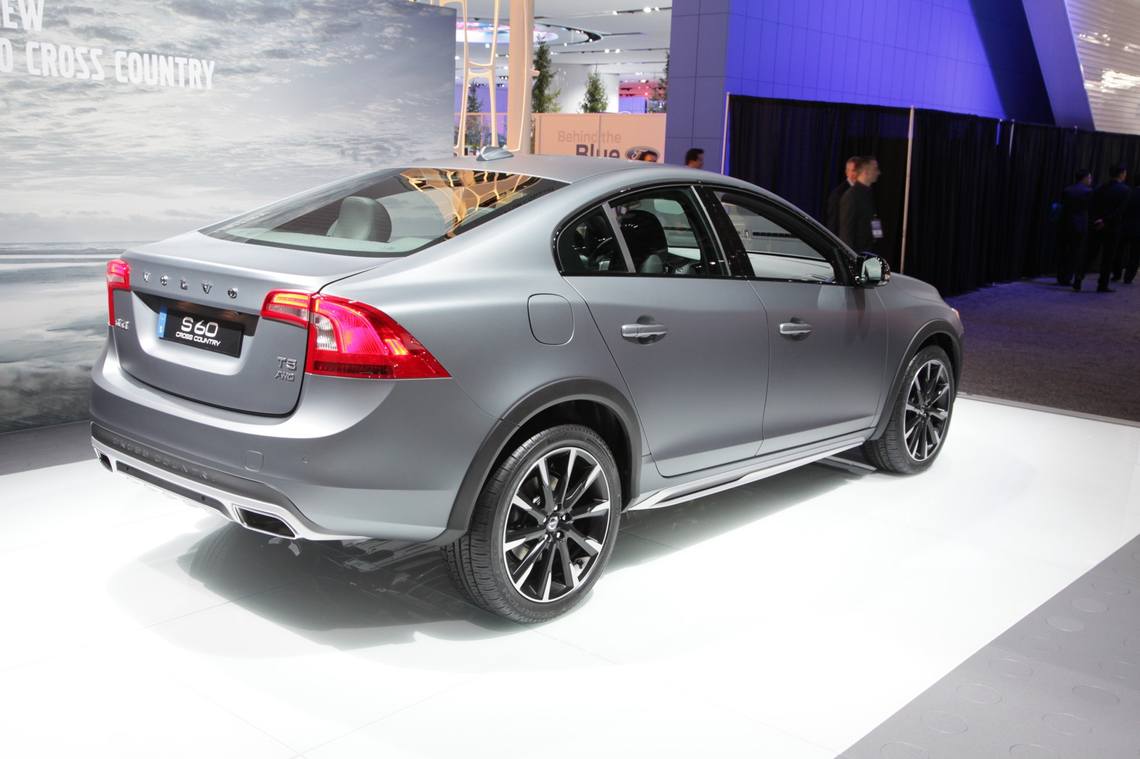 2016 Volvo S60 Cross Country | Top Speed