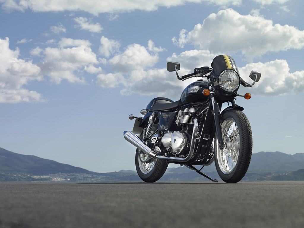 2015 triumph thruxton review top speed. Black Bedroom Furniture Sets. Home Design Ideas