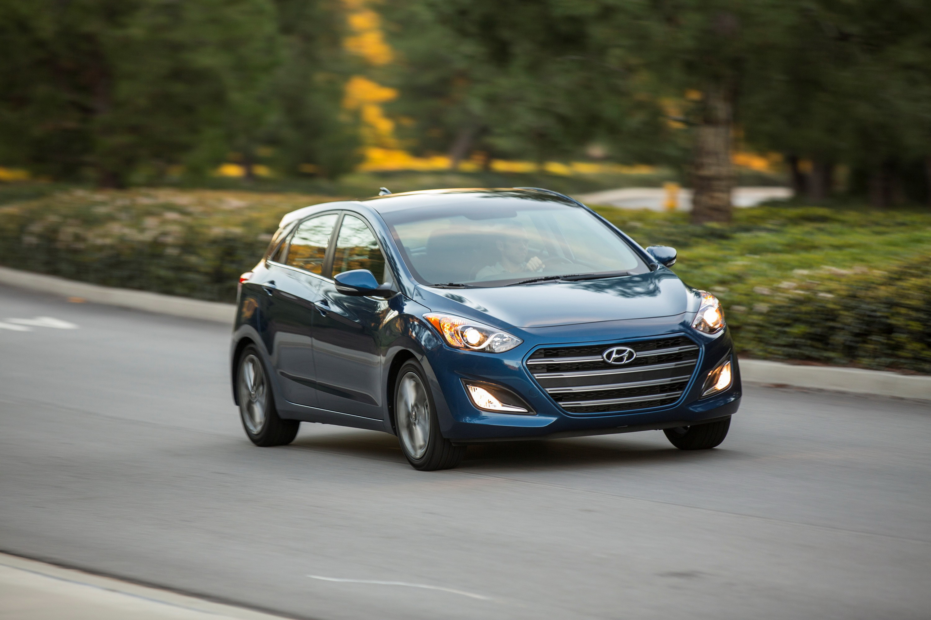 gt sports autonews refreshed new hyundai tech elantra look and