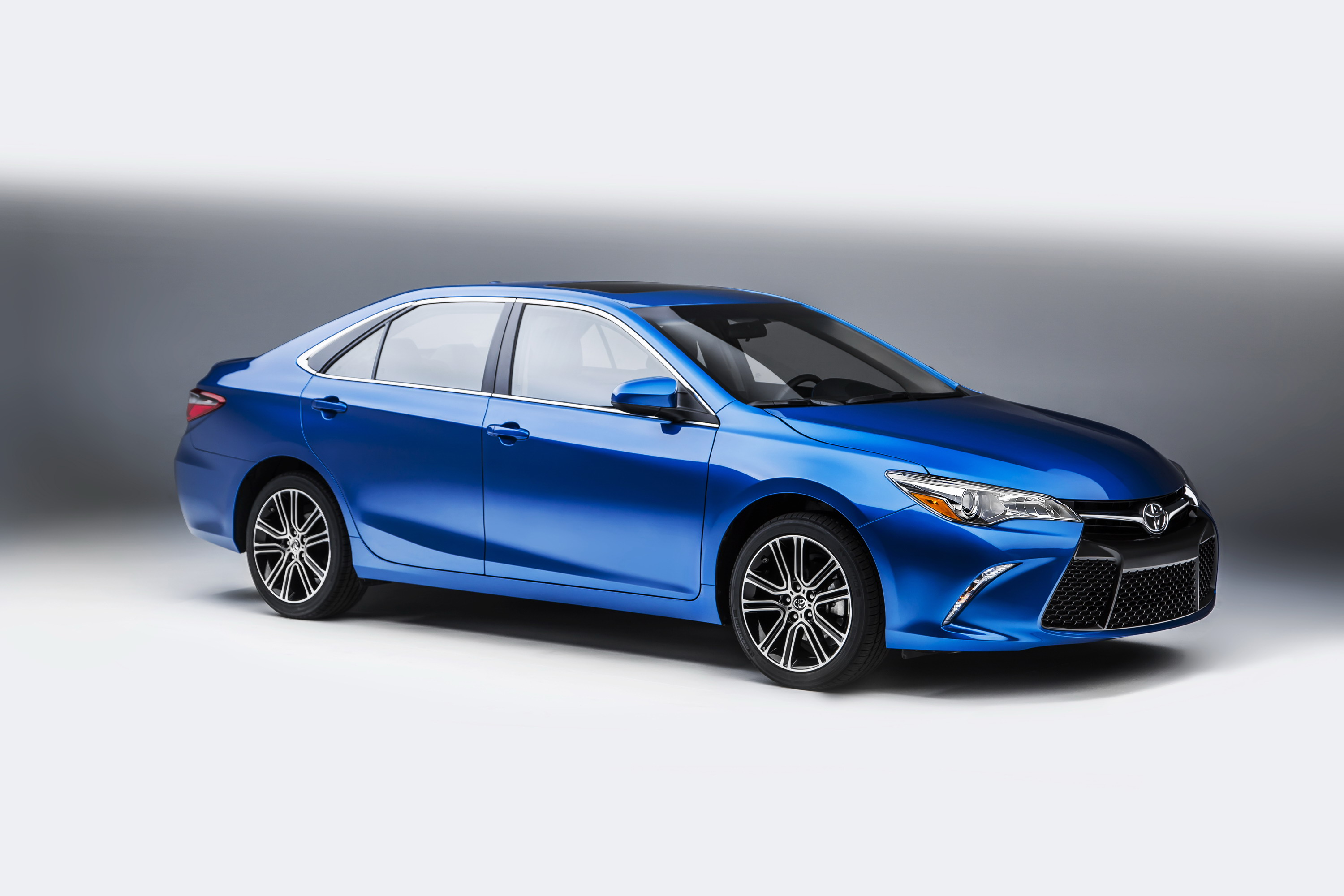 first ever reviews but the camry drive better same as toyota