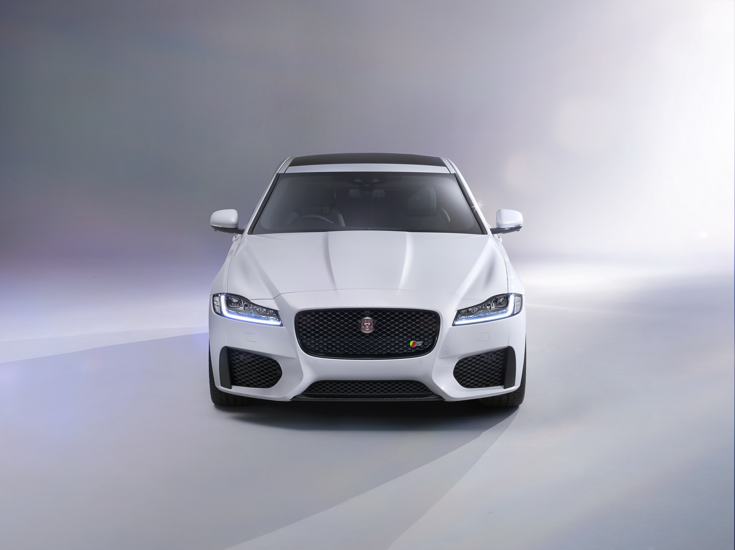 gallery awd jag for autoblog photos sale new xf jaguar york photo