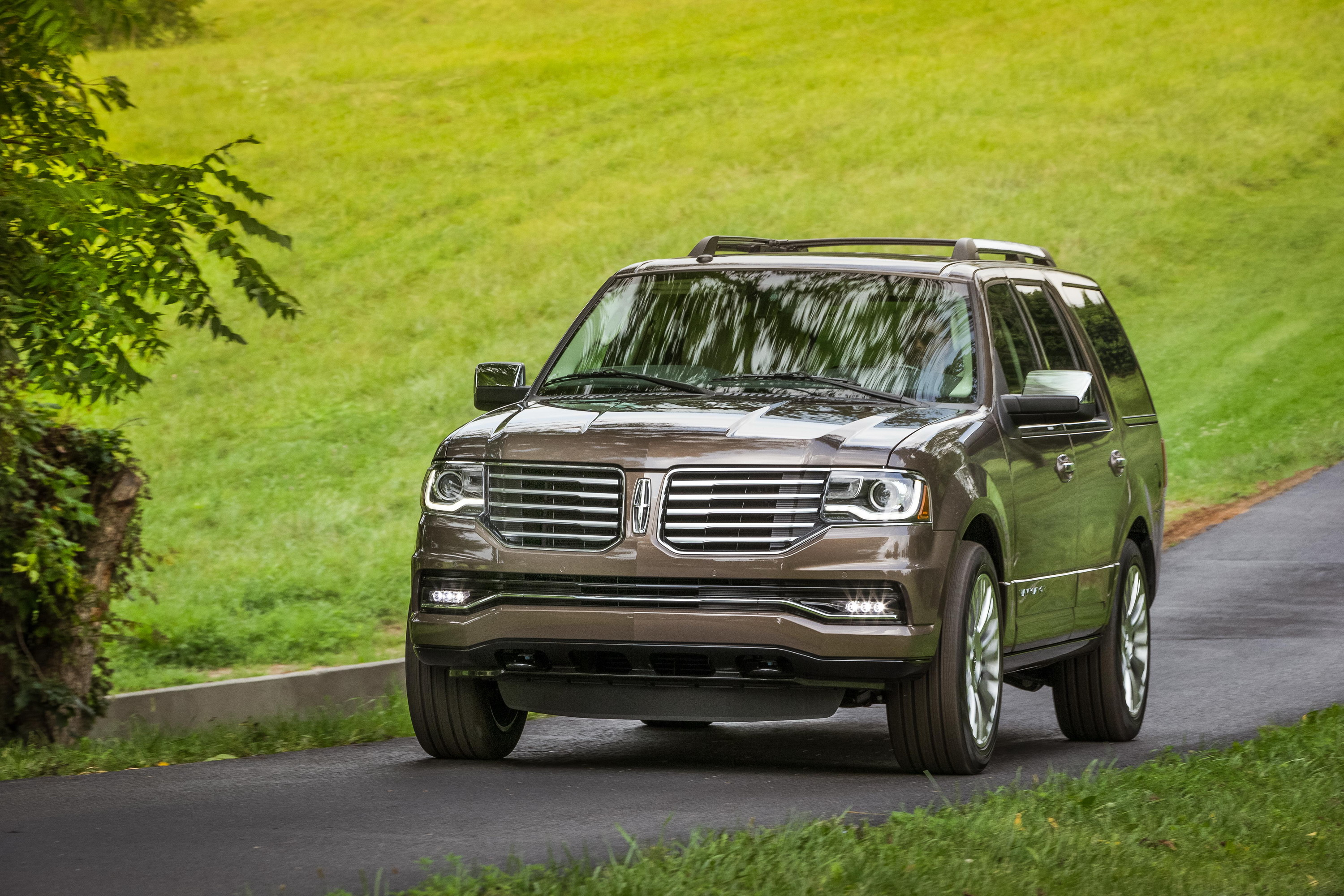 2015 lincoln navigator driven review gallery 628244 top speed. Black Bedroom Furniture Sets. Home Design Ideas