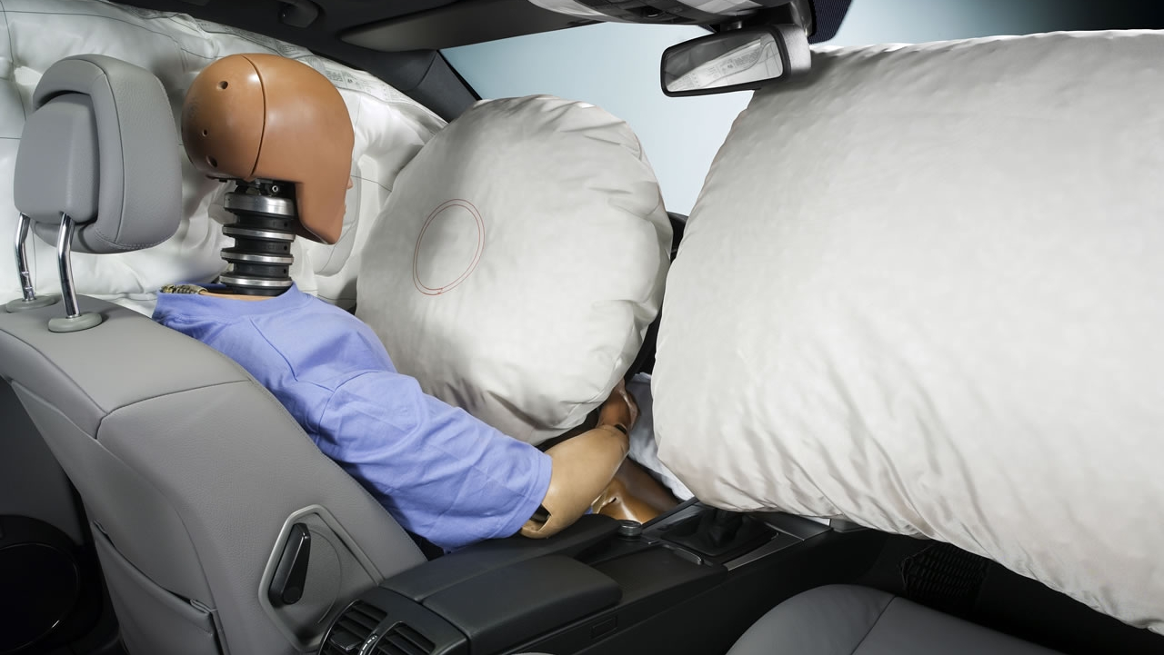 takata 39 s airbag inflator recall affects about 34 million vehicles picture top speed. Black Bedroom Furniture Sets. Home Design Ideas