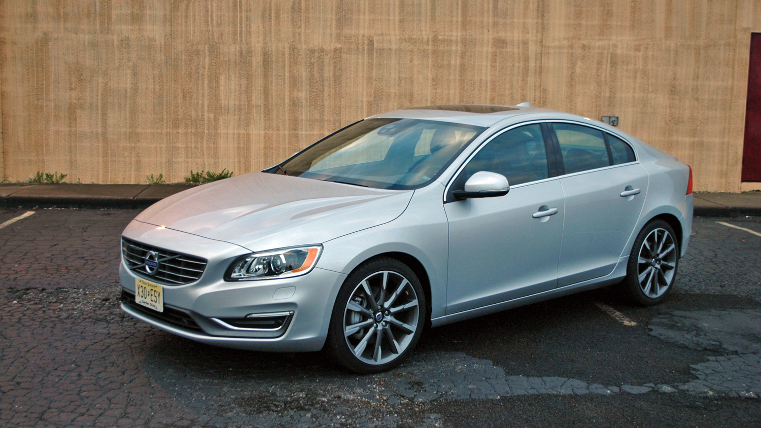 volvo s60 driven pictures photos wallpapers top speed. Black Bedroom Furniture Sets. Home Design Ideas
