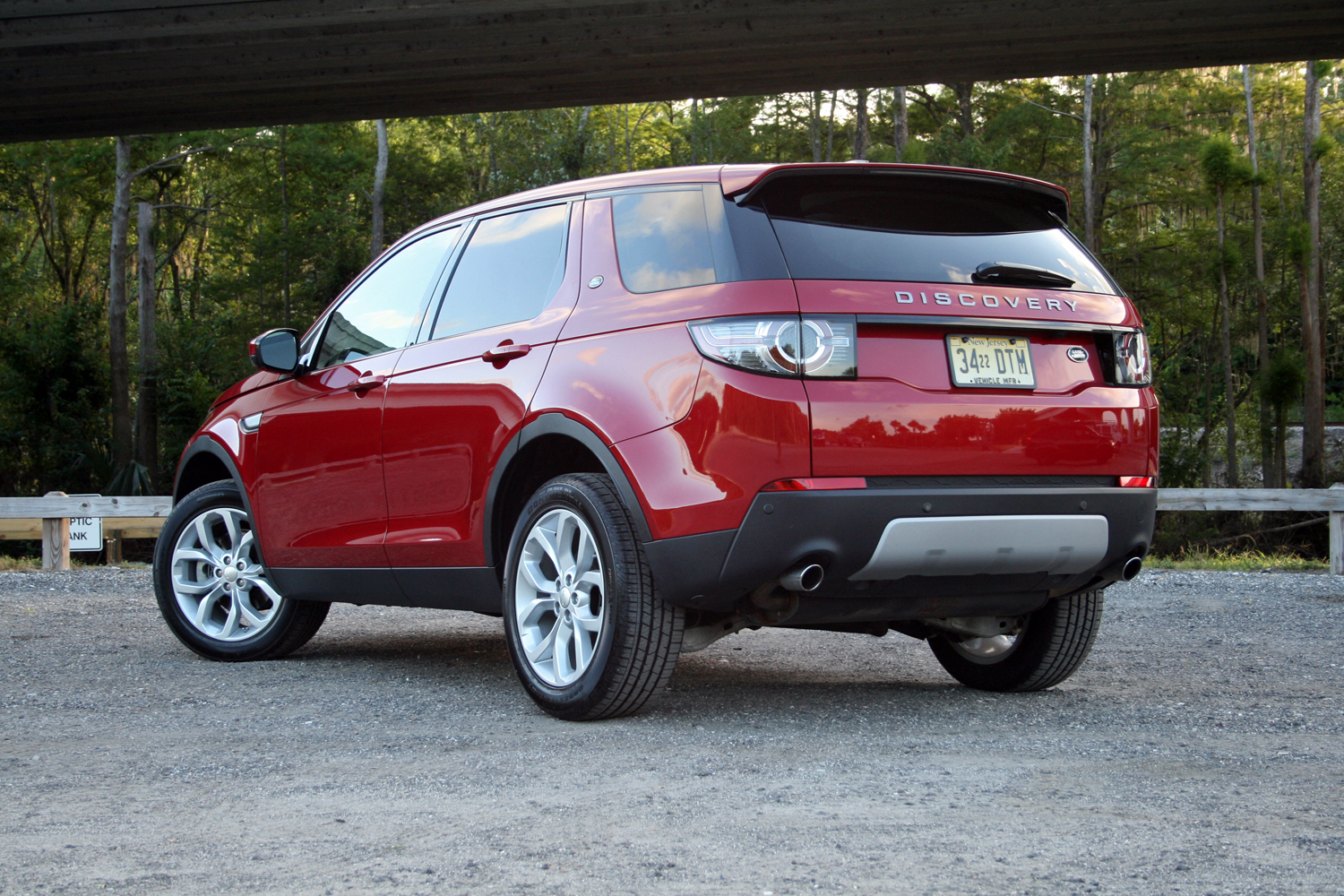 2015 land rover discovery sport driven review top speed. Black Bedroom Furniture Sets. Home Design Ideas