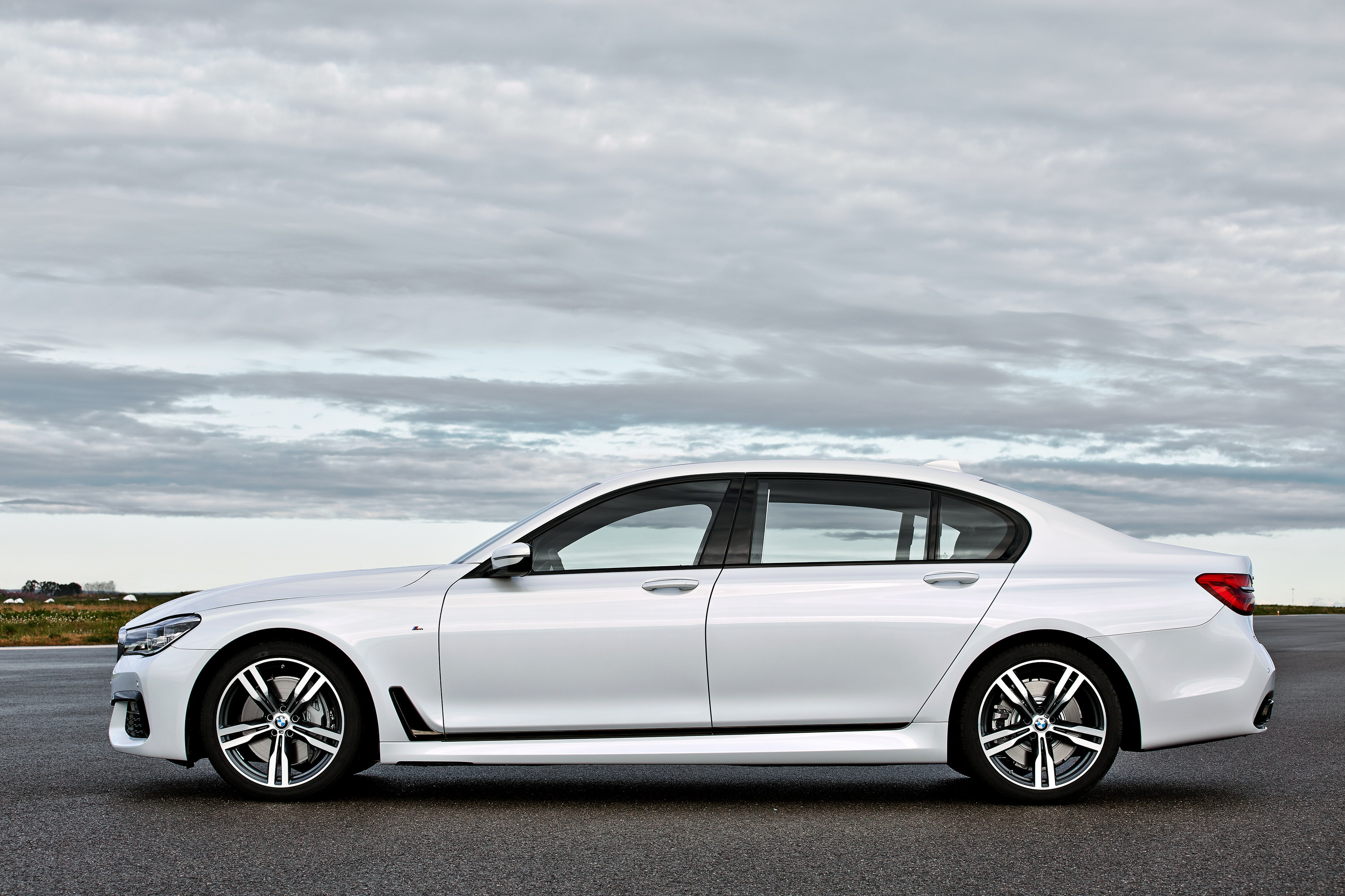 2016 BMW 7 Series W M Sport Package Review