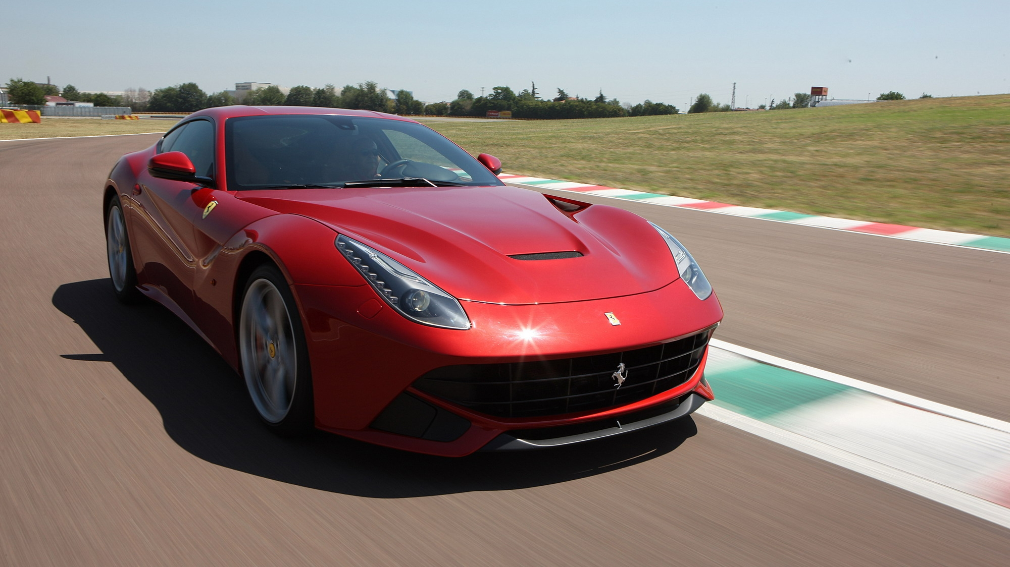 Updated Ferrari F12 Berlinetta Will Deliver 780 Hp And Be 220 Lbs
