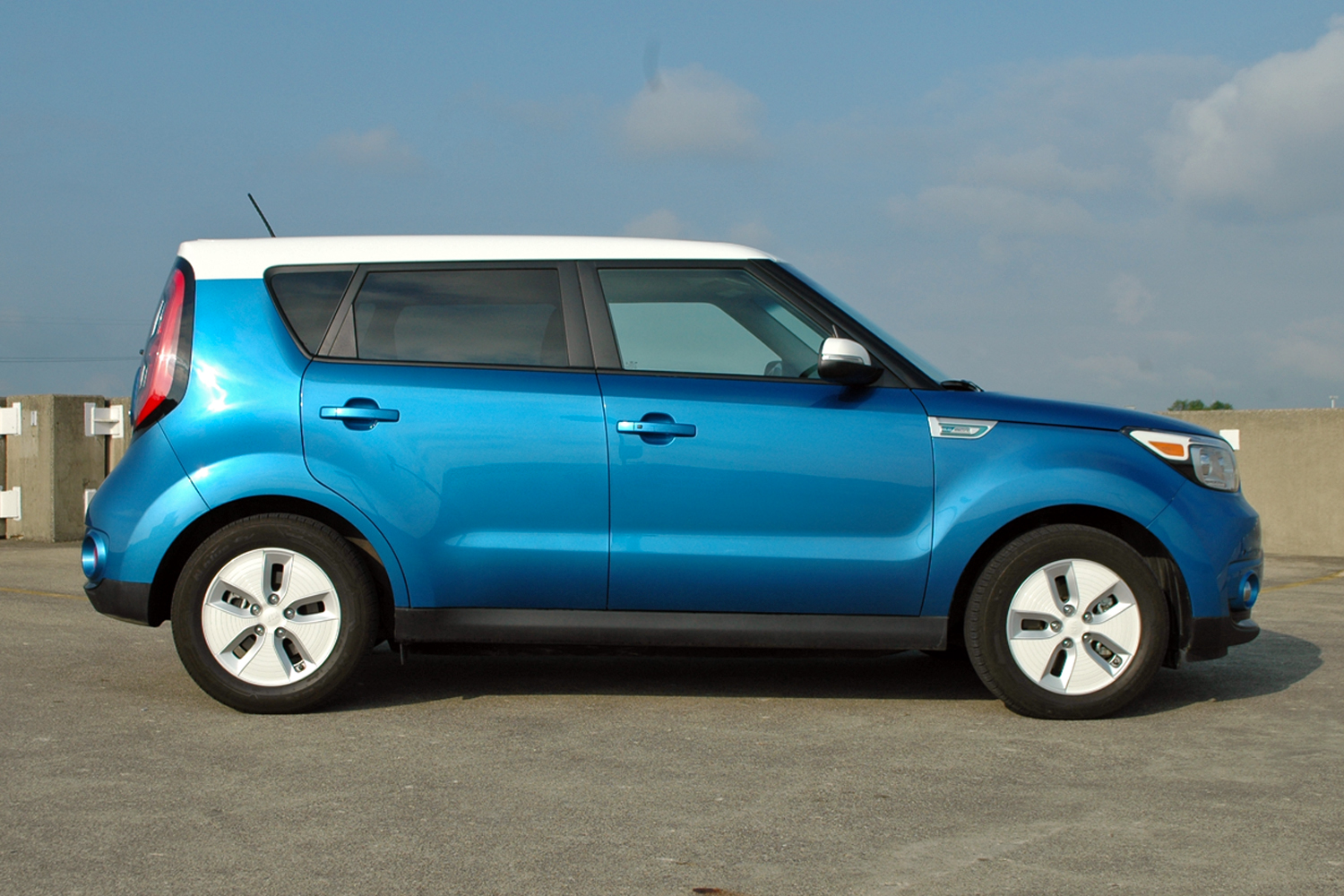 automobiles car gallery using kia in to soul ev exterior america growth is vehicles power electric how