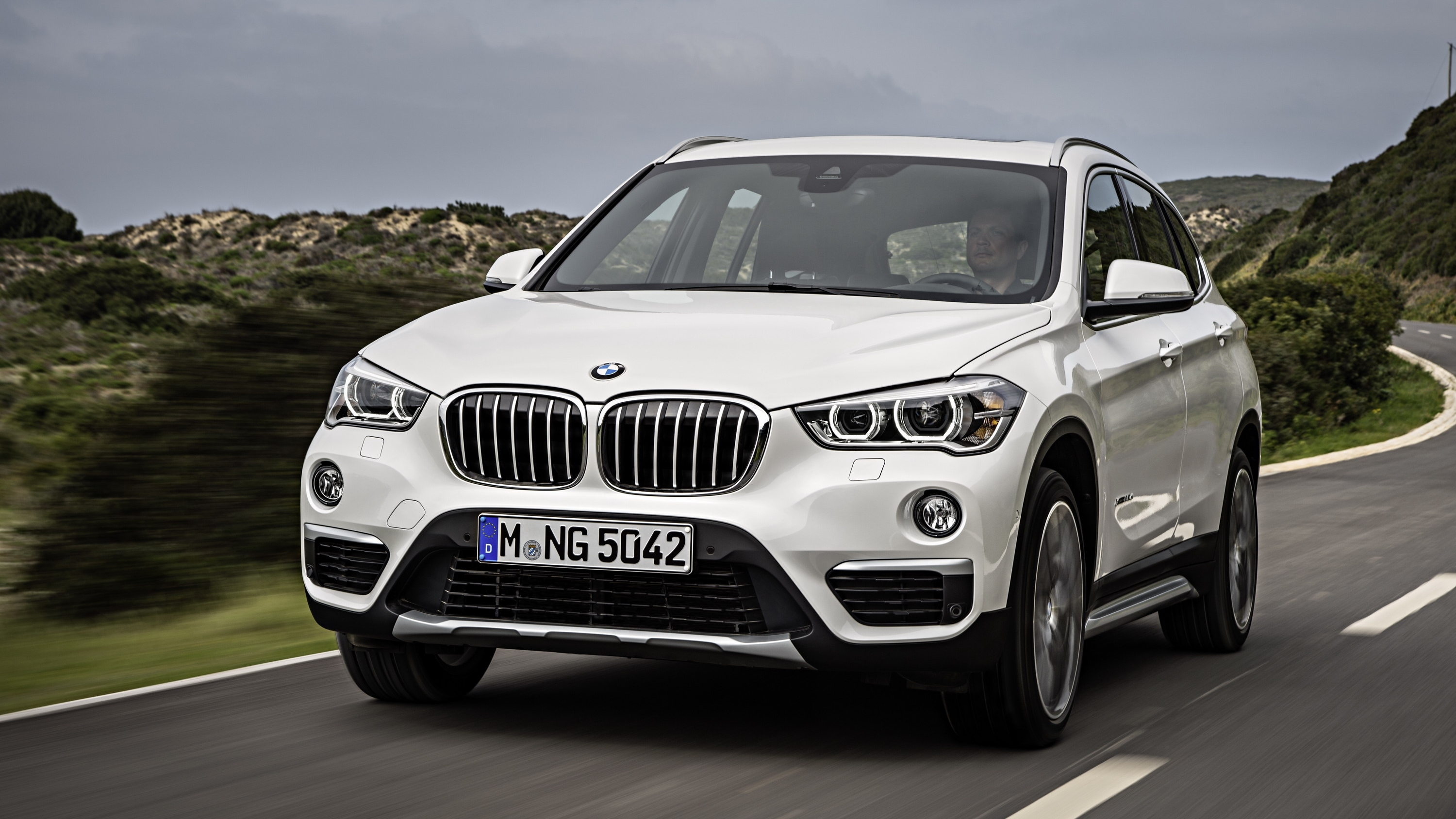 bmw considers m version for the x1 top speed. Black Bedroom Furniture Sets. Home Design Ideas