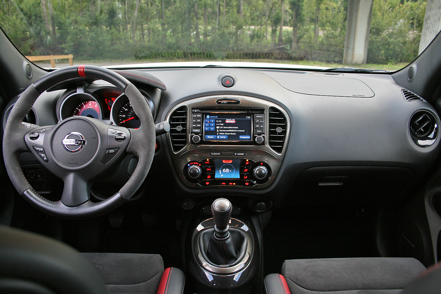 2015 nissan juke nismo rs driven review top speed. Black Bedroom Furniture Sets. Home Design Ideas