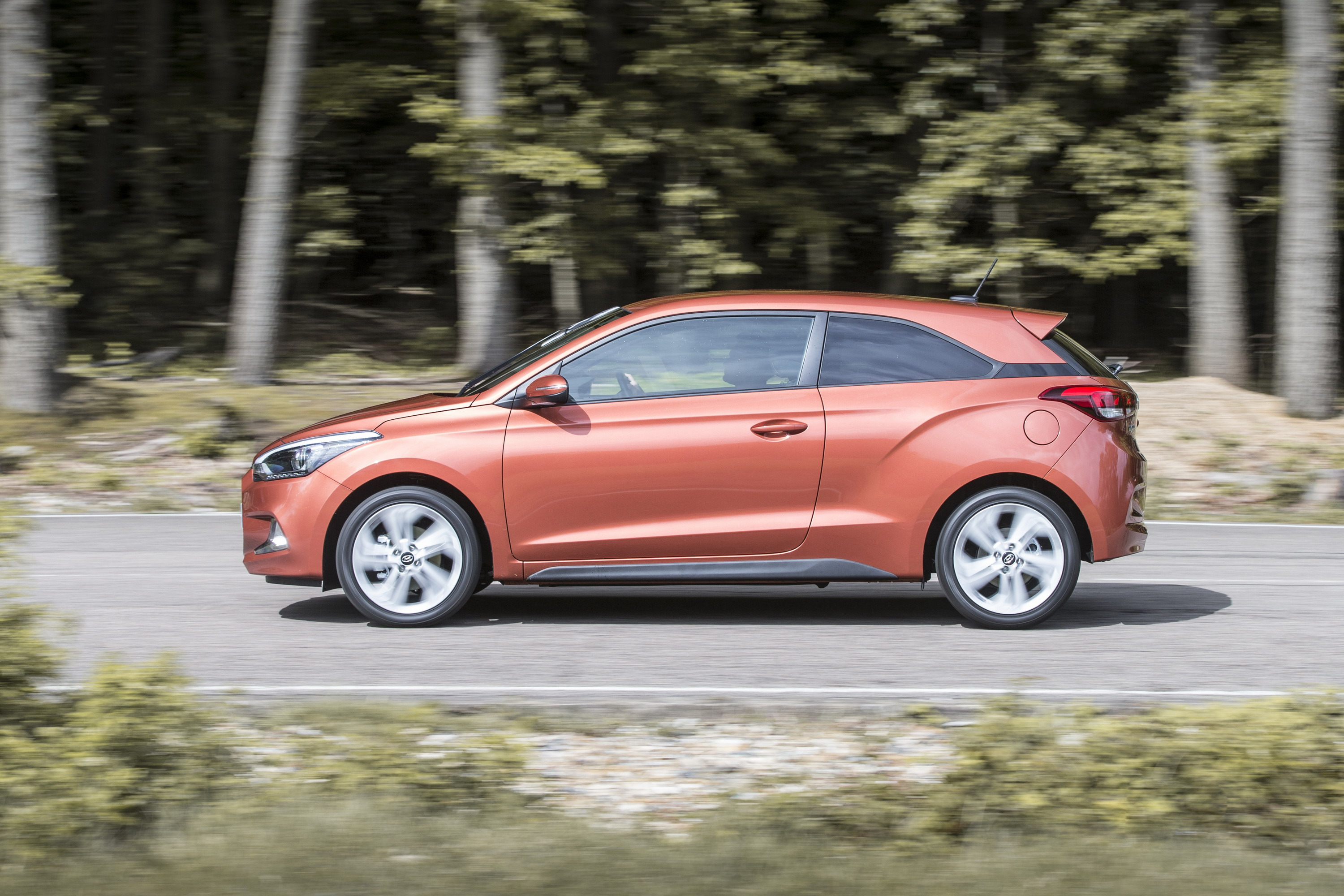 2015 hyundai i20 coupe review top speed. Black Bedroom Furniture Sets. Home Design Ideas