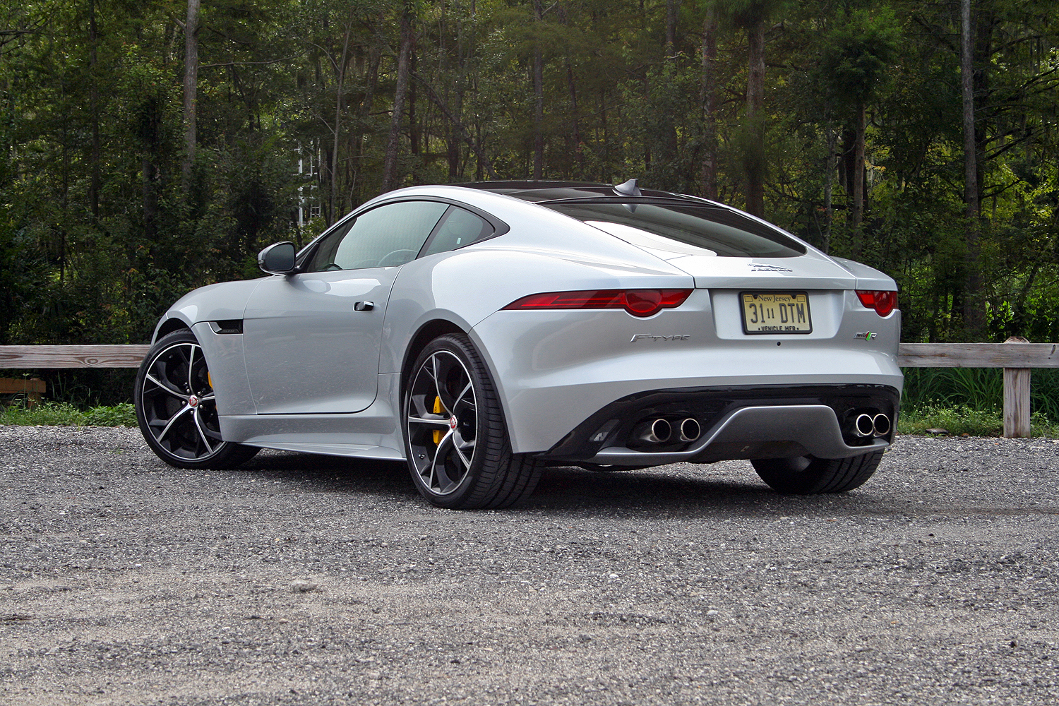 Jaguar f type r 2016
