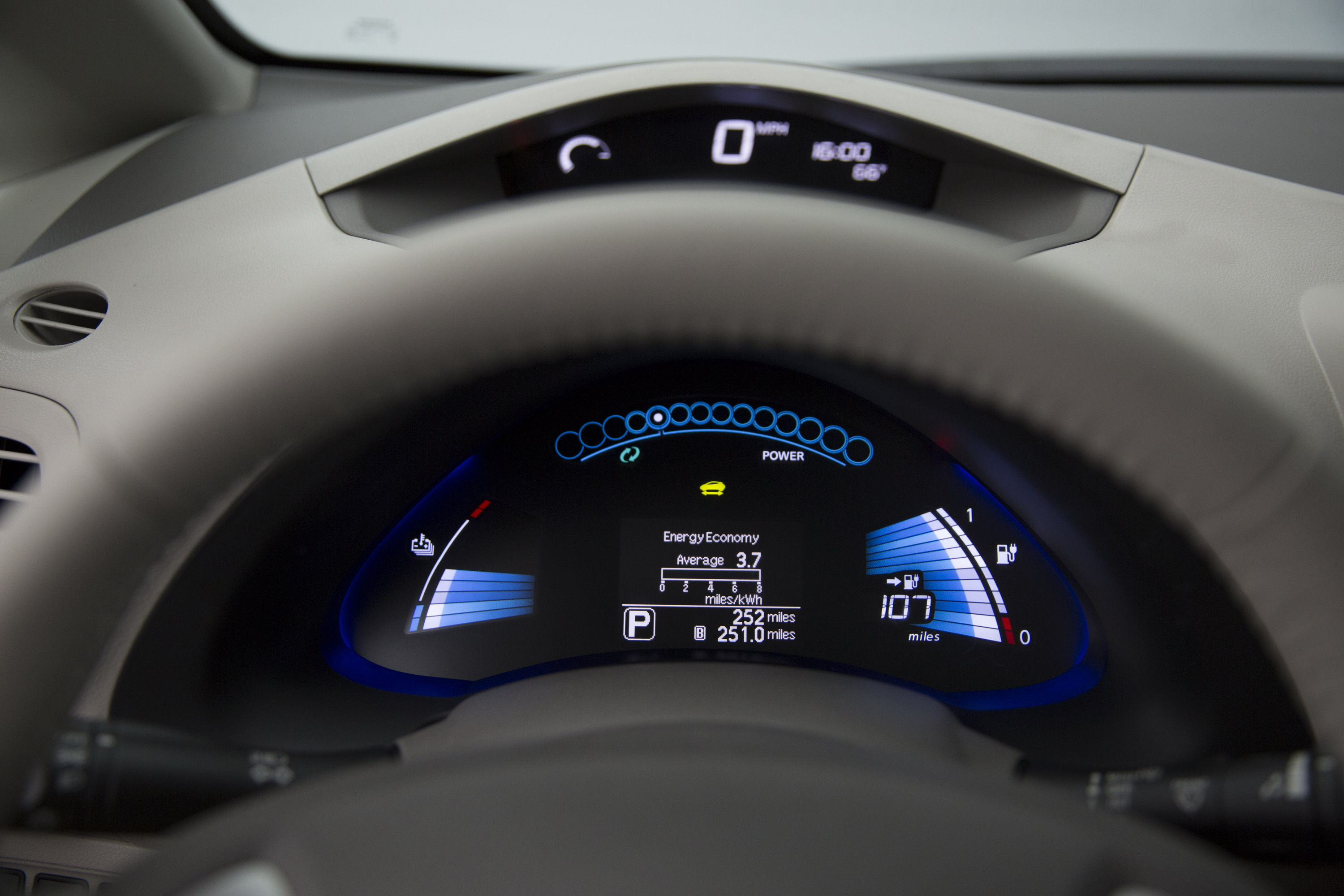 2016 Nissan Leaf Review   Top Speed. »