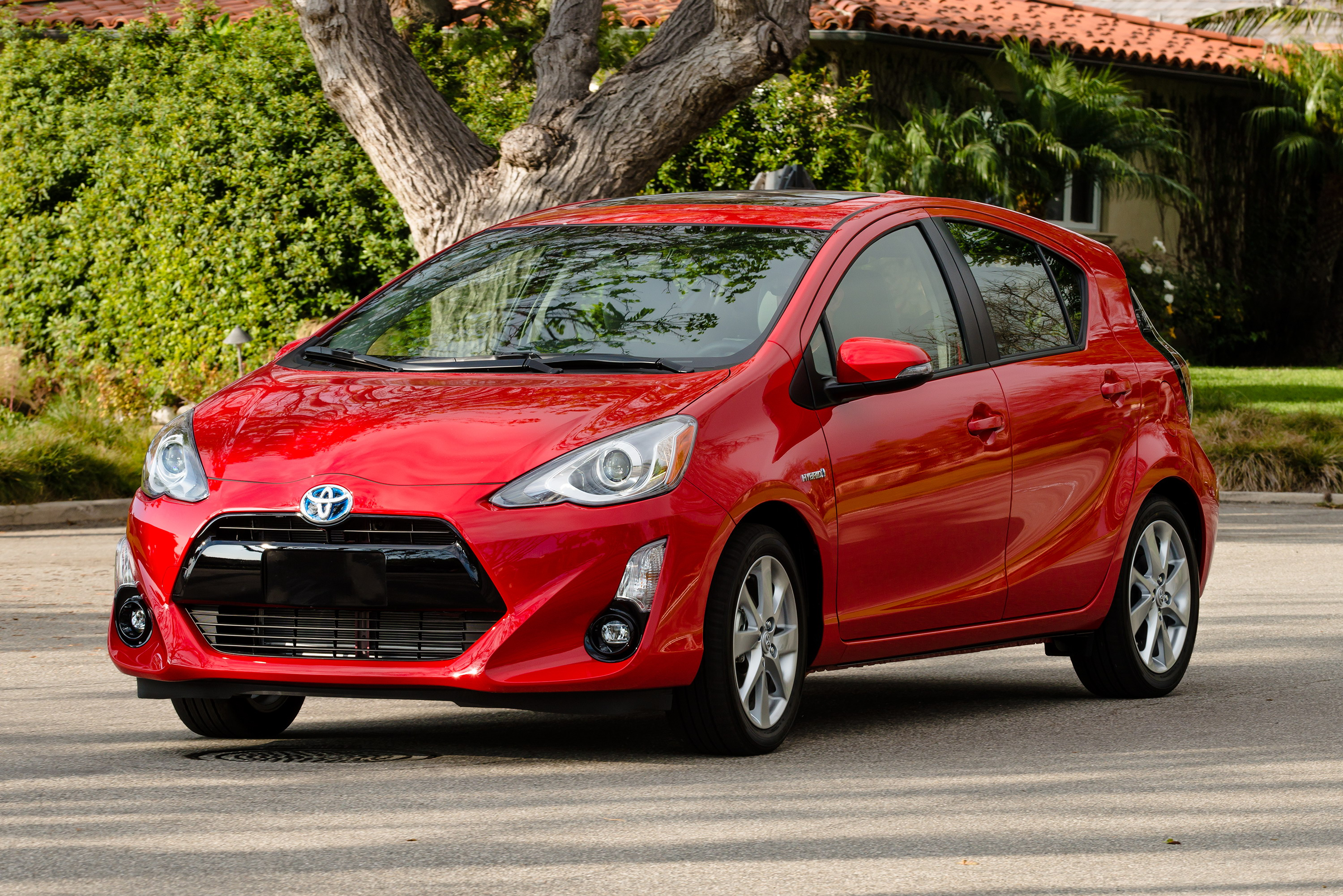 2015 toyota prius c review top speed. Black Bedroom Furniture Sets. Home Design Ideas