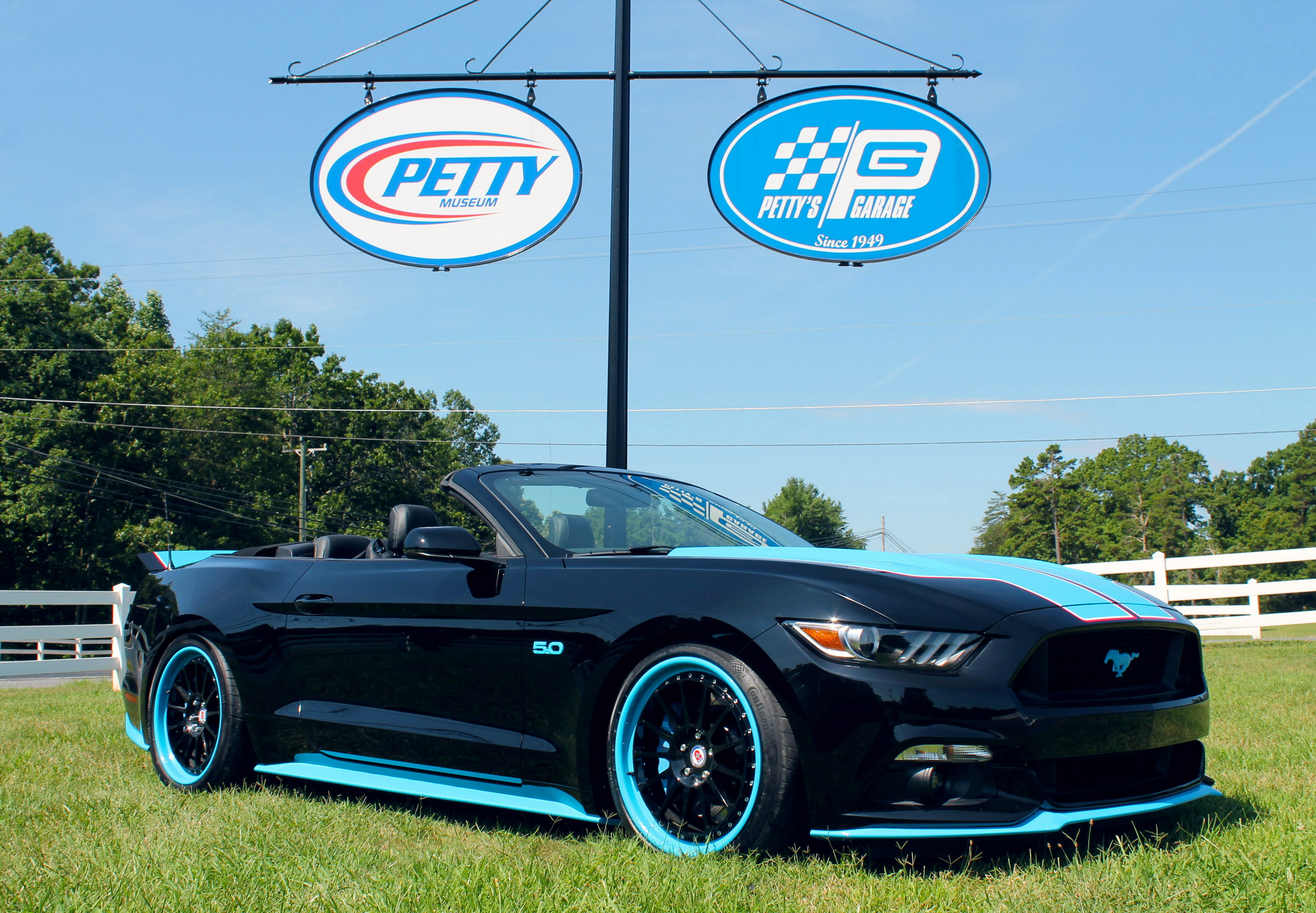 Ford Mustang GT King Edition By Petty's Garage Gallery 652557 | Top Speed