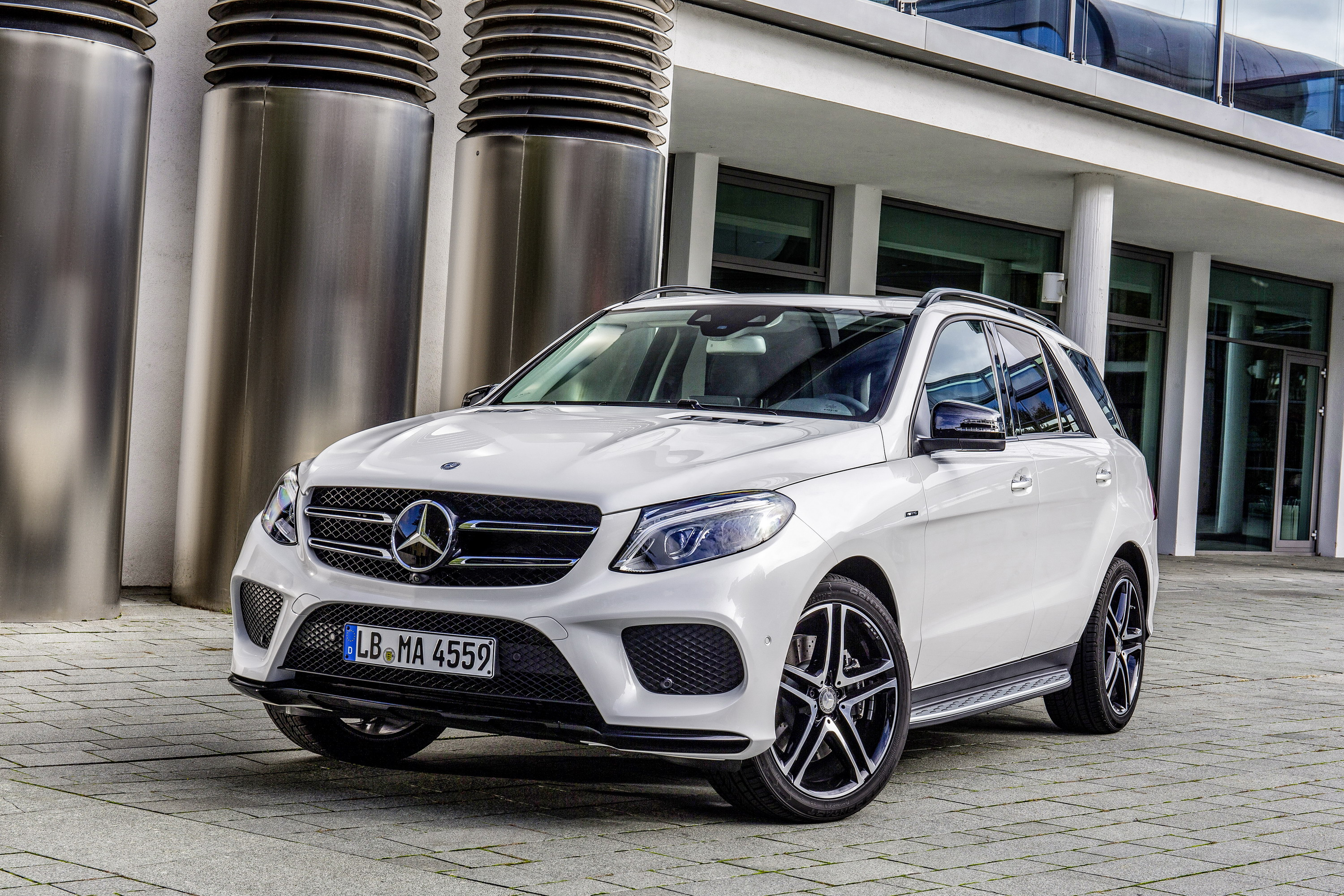 https://pictures.topspeed.com/IMG/jpg/201510/mercedes-benz-gle-45.jpg