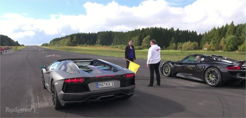 porsche 918 spyder vs lamborghini aventador pirelli edition drag race video. Black Bedroom Furniture Sets. Home Design Ideas
