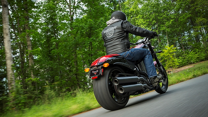 2016 - 2017 Victory Hammer S Review - Top Speed