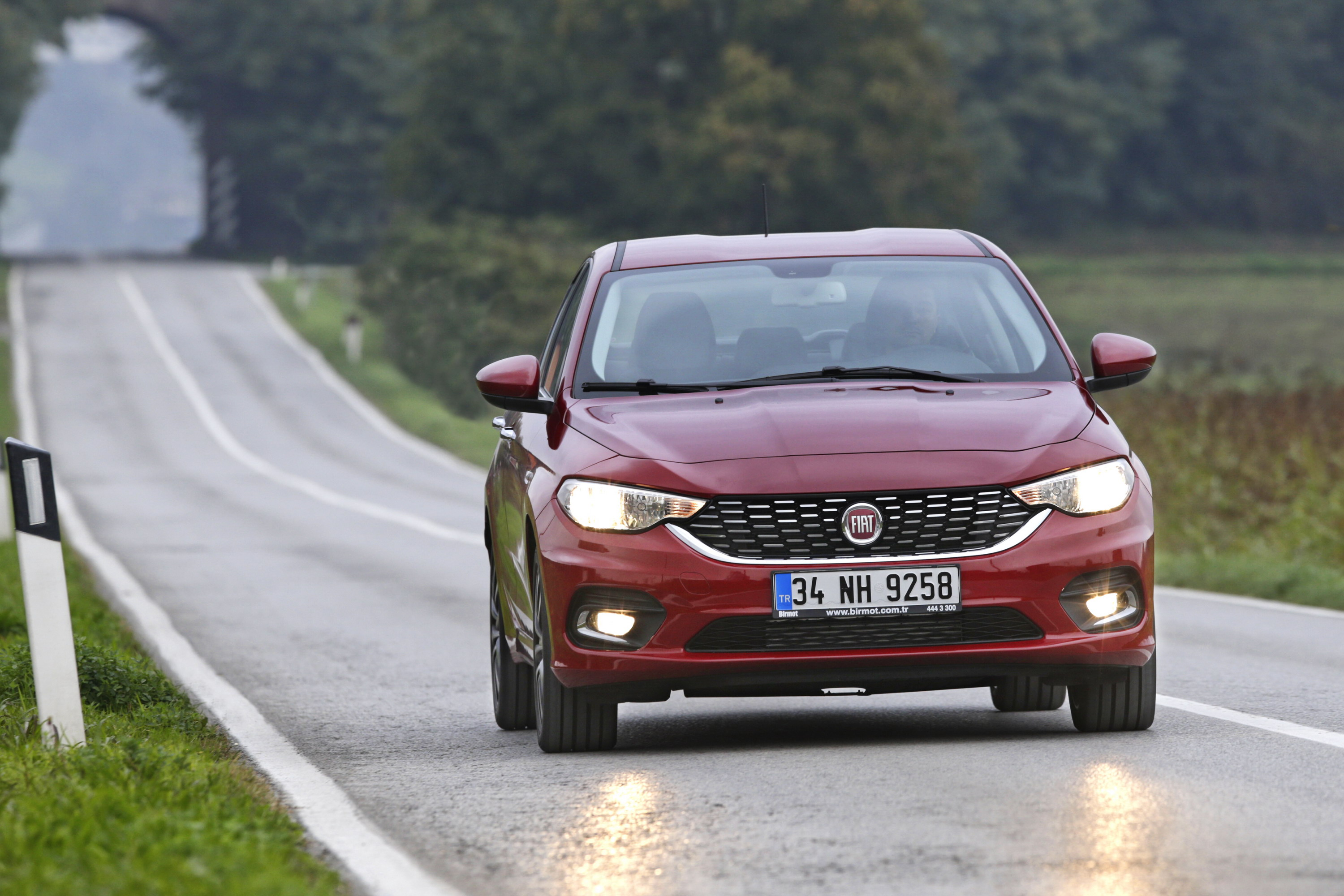 2017 fiat tipo review top speed. Black Bedroom Furniture Sets. Home Design Ideas
