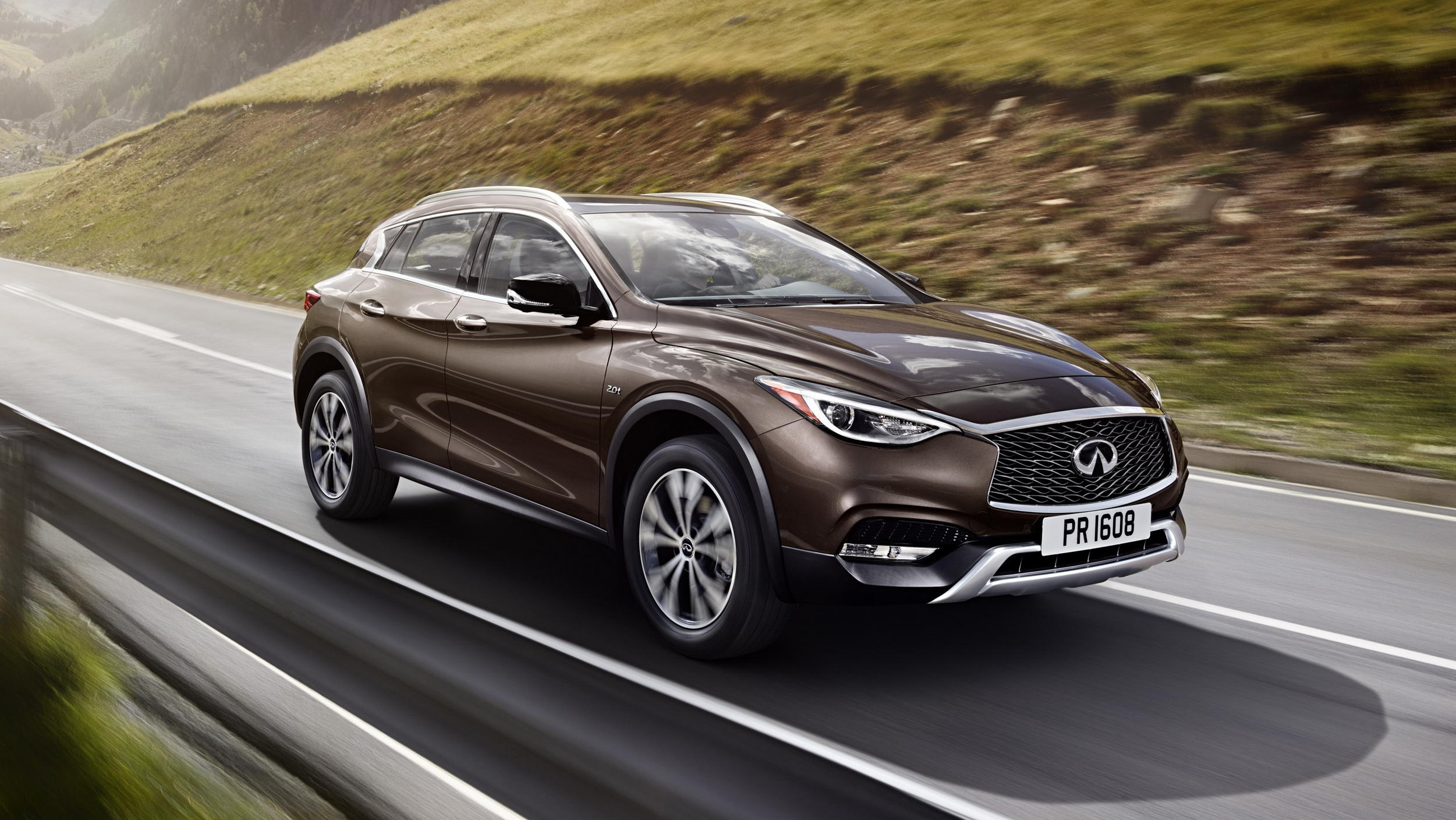 2017 infiniti qx30 pictures photos wallpapers top speed. Black Bedroom Furniture Sets. Home Design Ideas