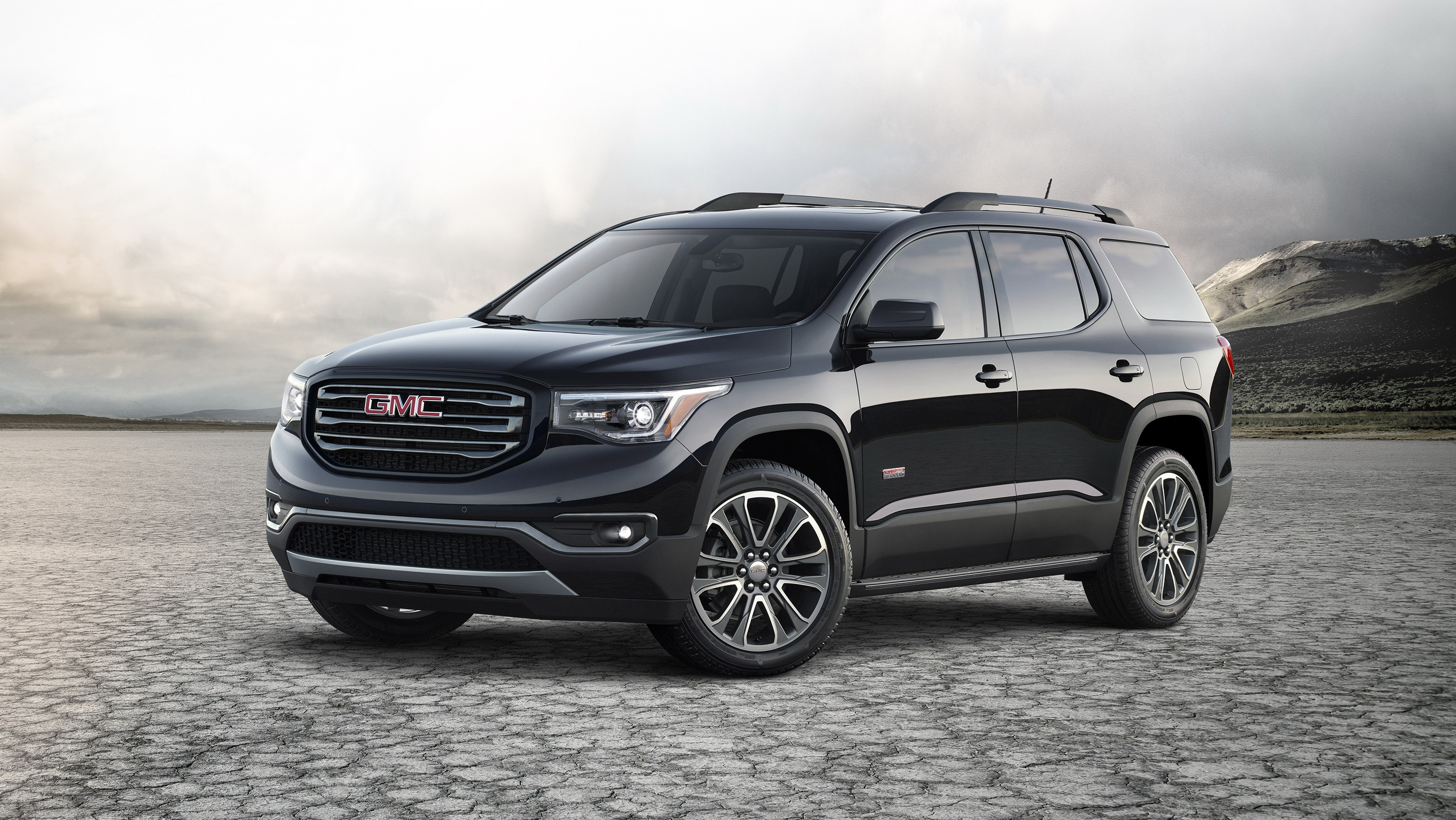 updates year model autoevolution gets acadia models for news gmc minor suv