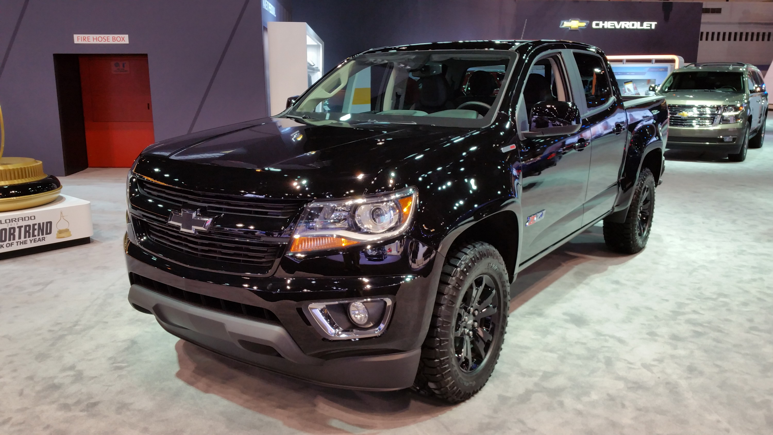 2016 chevrolet colorado z71 midnight edition pictures. Black Bedroom Furniture Sets. Home Design Ideas