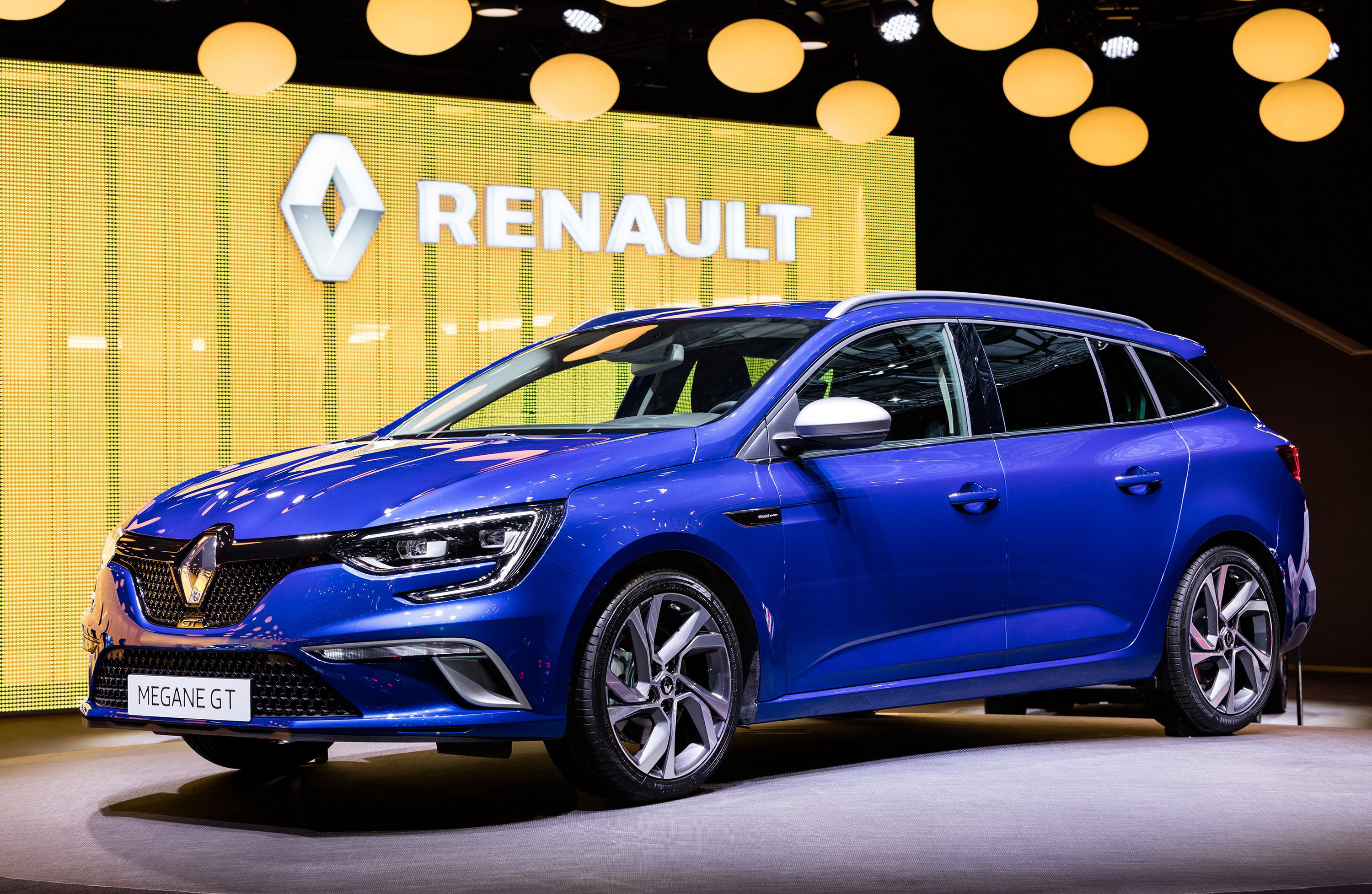 2016 renault megane estate review top speed. Black Bedroom Furniture Sets. Home Design Ideas