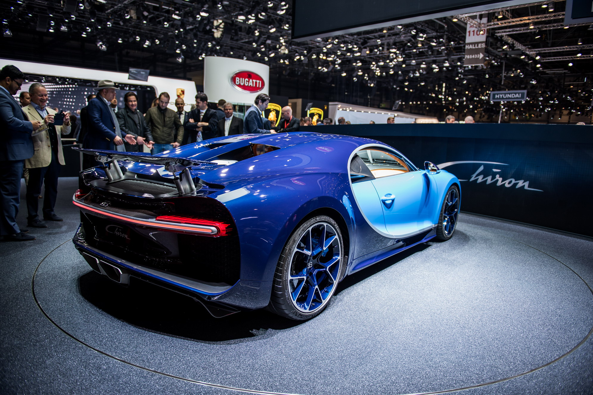 Top 10 Fastest Cars >> 2018 Bugatti Chiron Review - Top Speed