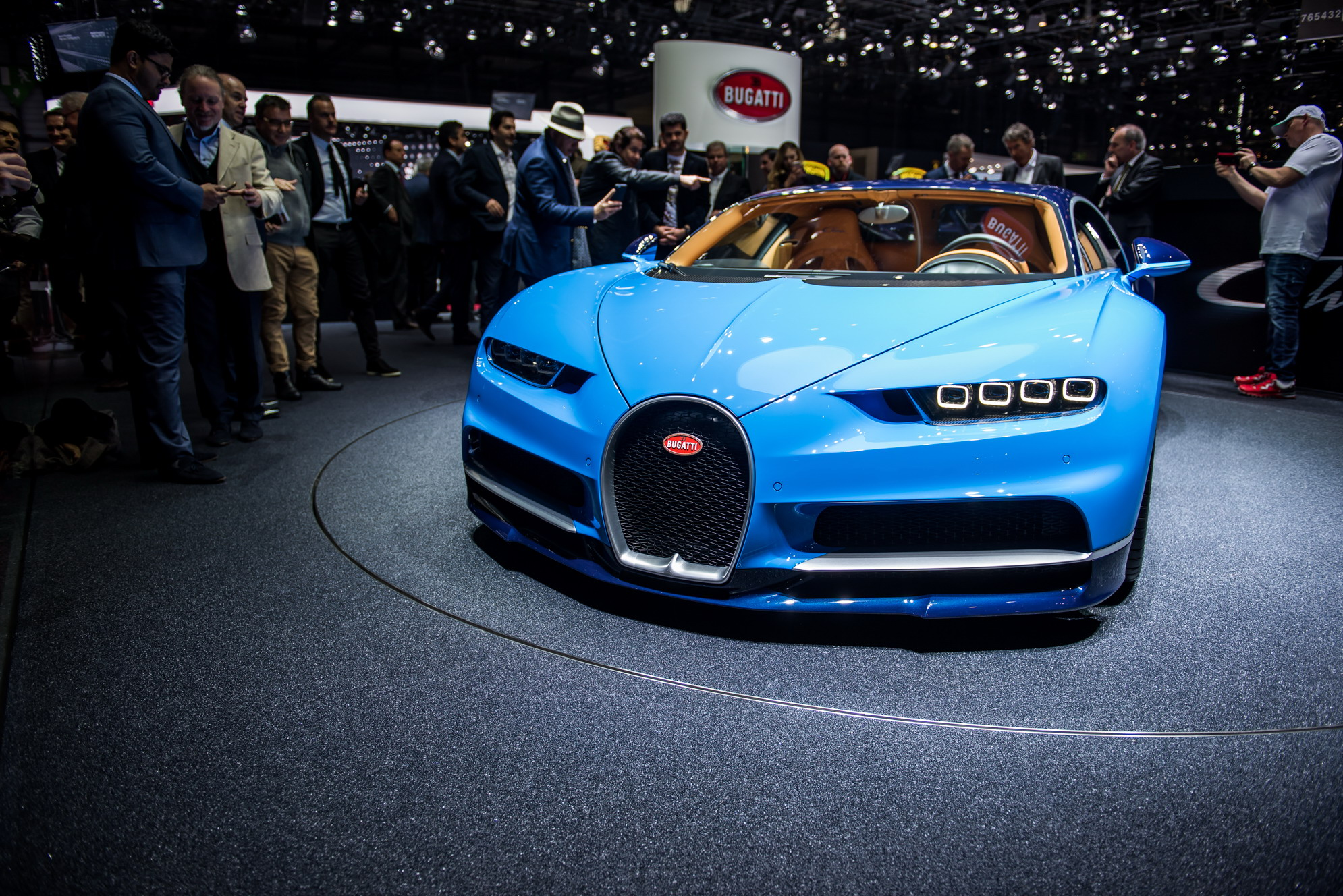 Fastest Car In The World 2015 >> 2018 Bugatti Chiron Review - Top Speed