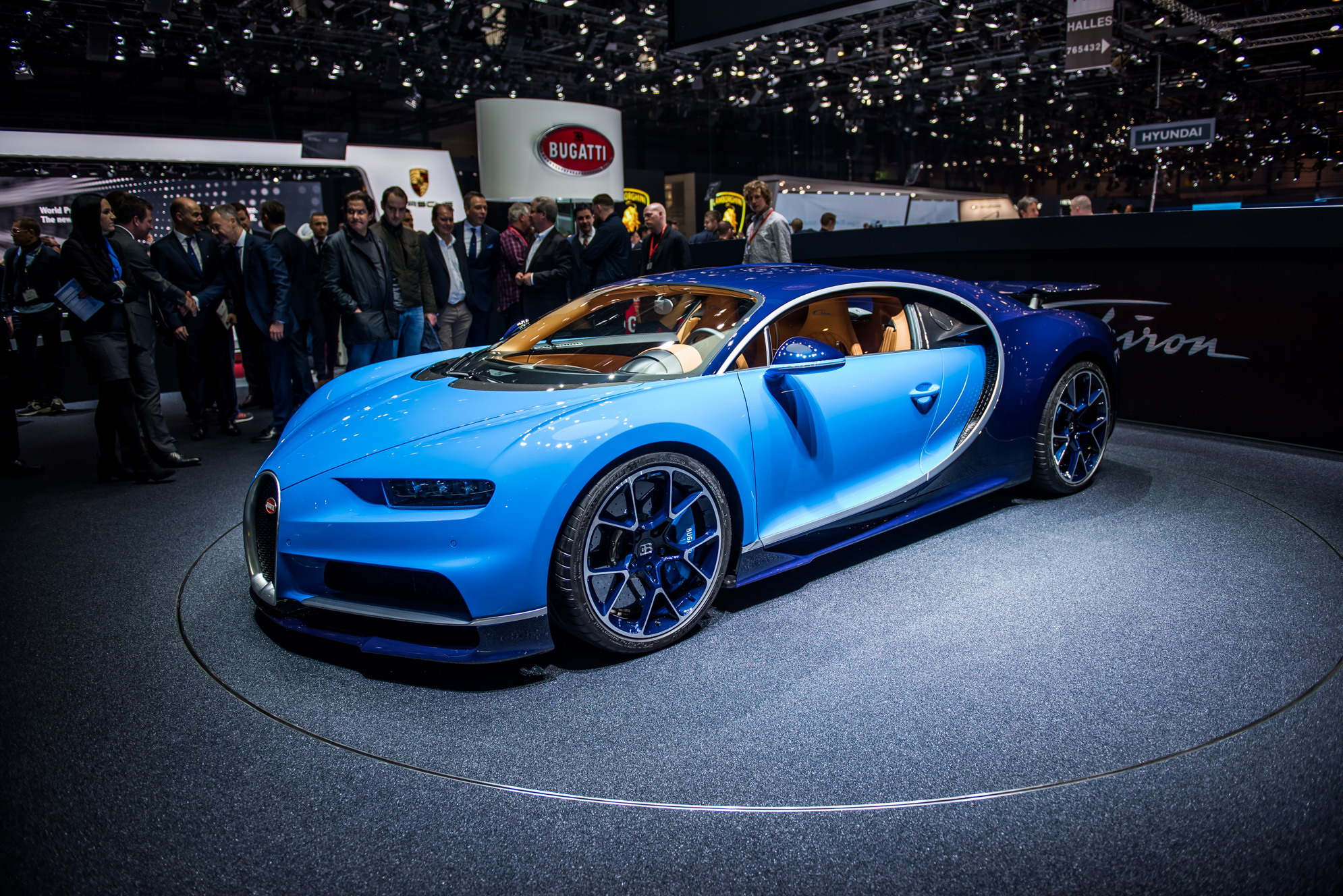 2018 Bugatti Chiron Review - Top Speed