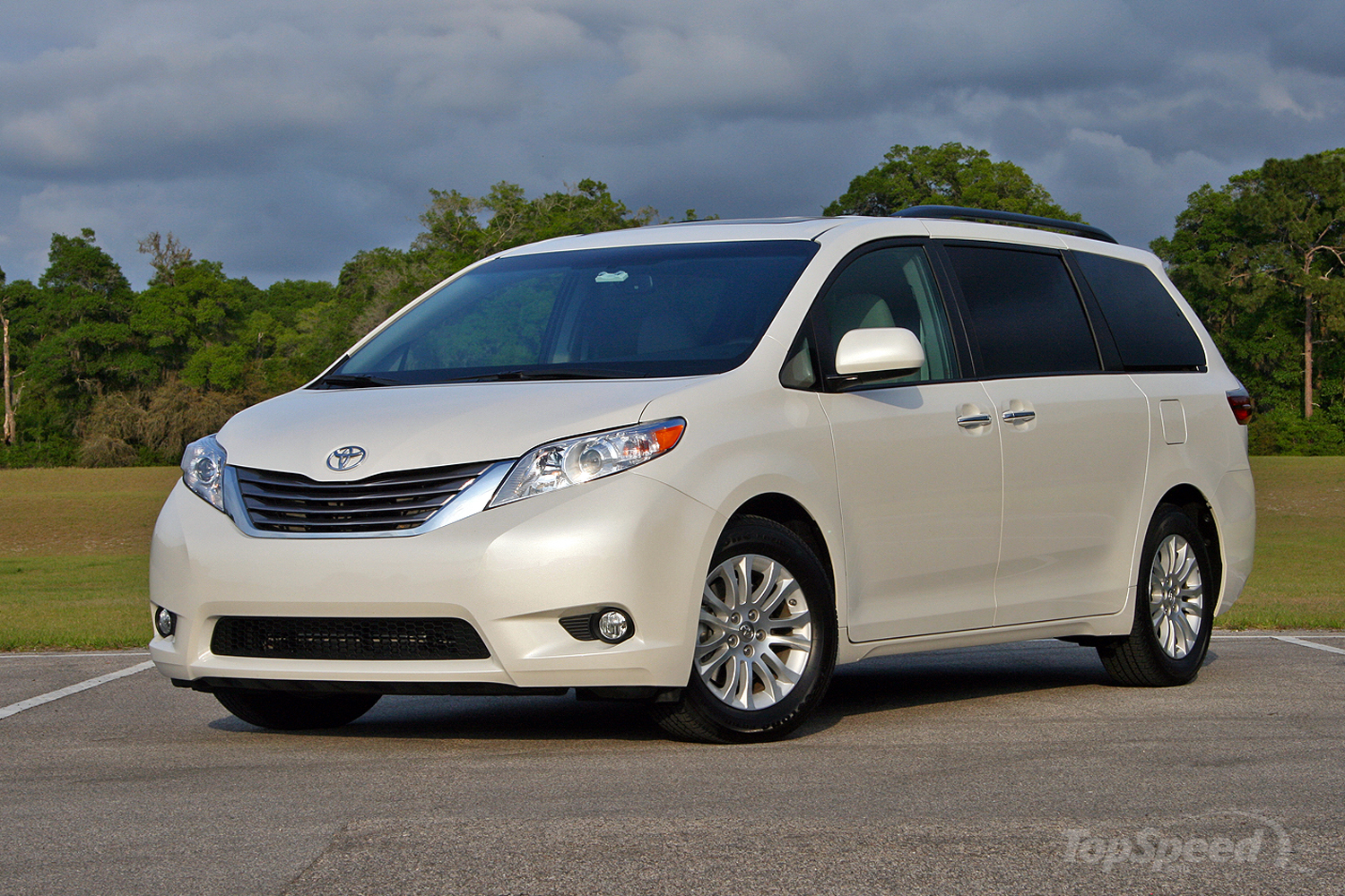 2016 toyota sienna driven picture 677116 car review top speed. Black Bedroom Furniture Sets. Home Design Ideas