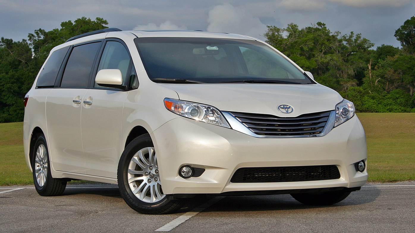 2016 toyota sienna driven review top speed. Black Bedroom Furniture Sets. Home Design Ideas