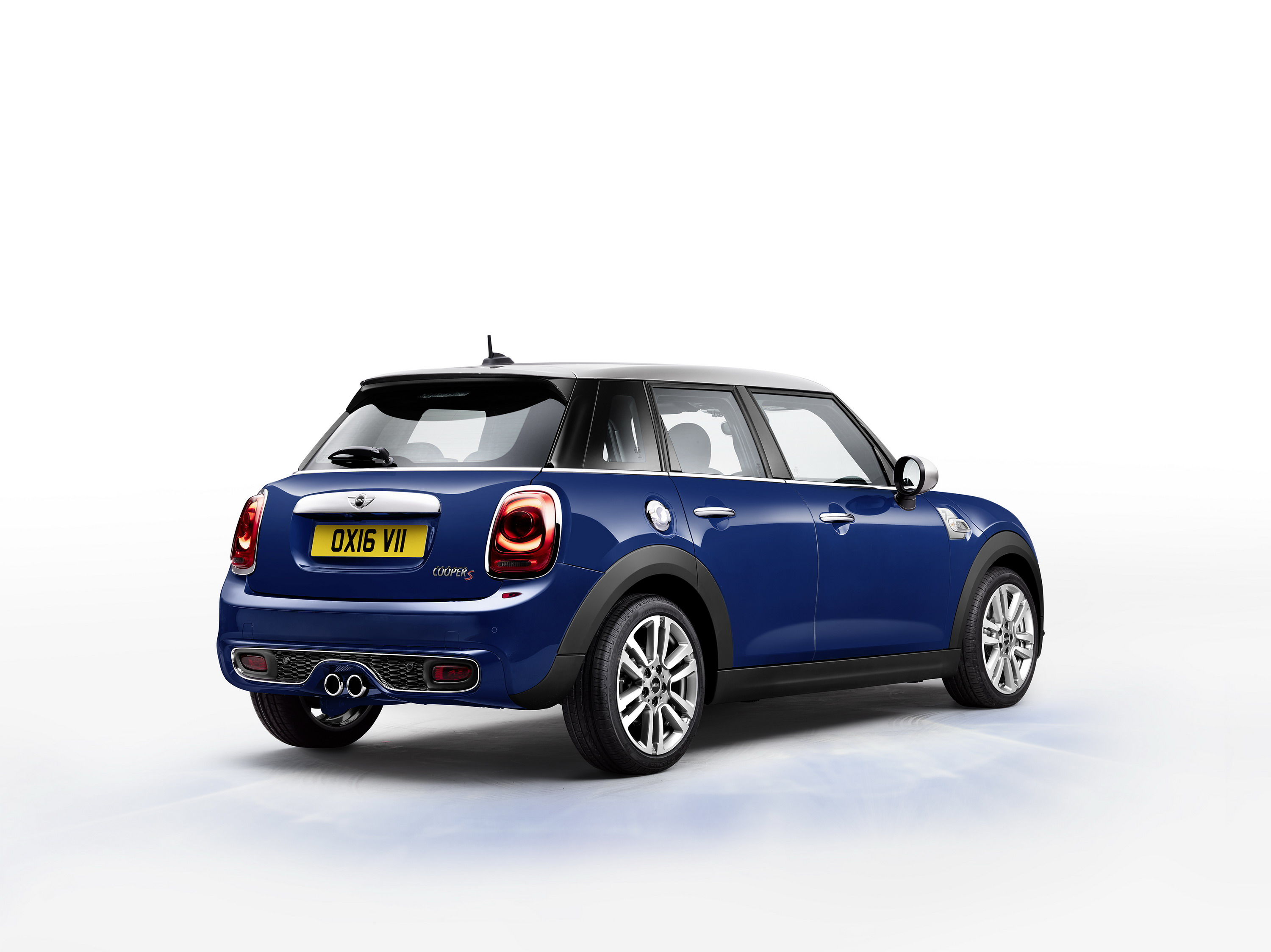 drivers door long mini driver car woes motoringfile s term cooper