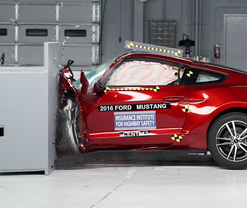 Ford Mustang Chevy Camaro Dodge Challenger Fail To Meet Iihs Crash