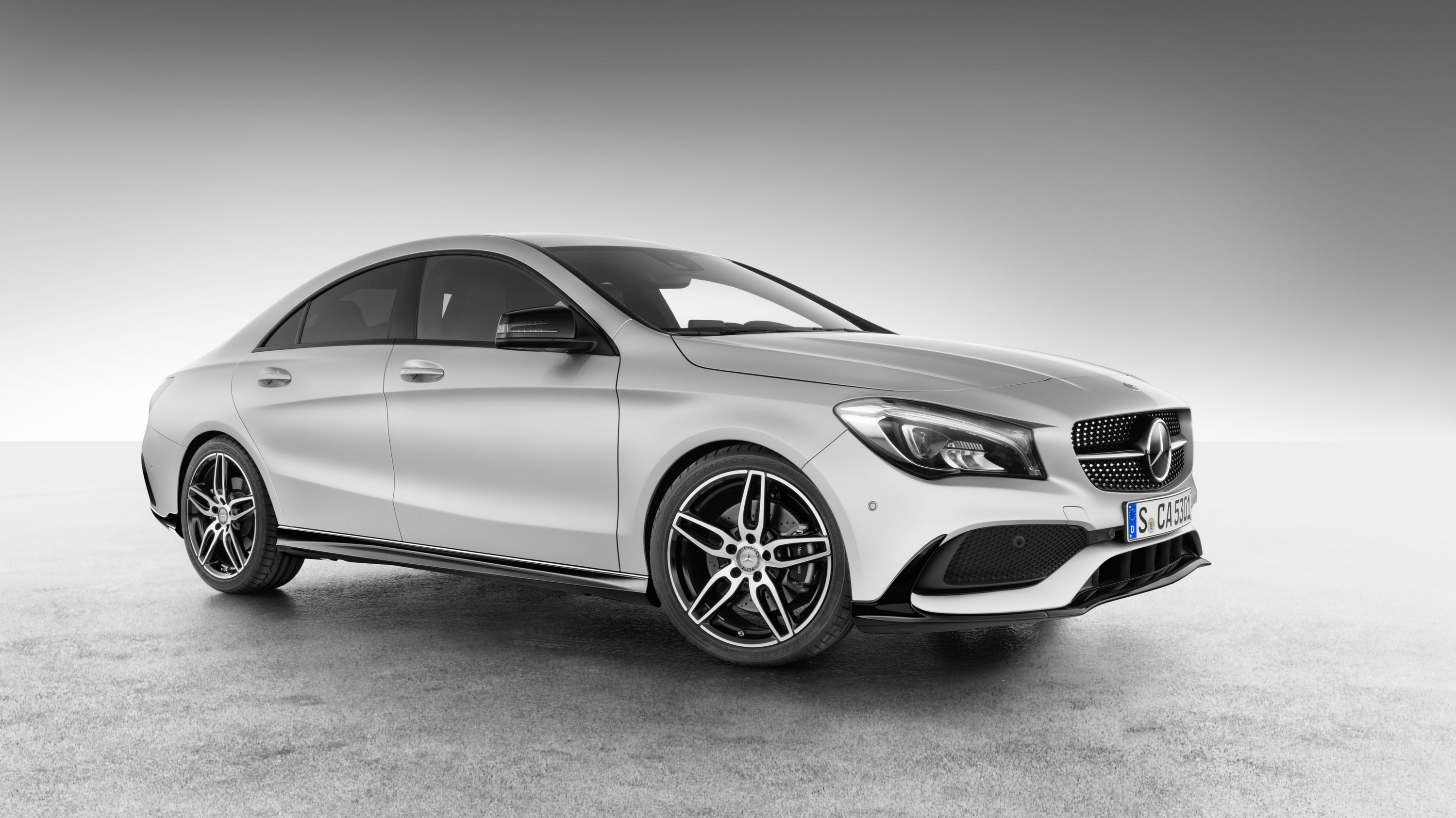 2016 mercedes benz cla with amg accessories pictures for Mercedes benz accessories