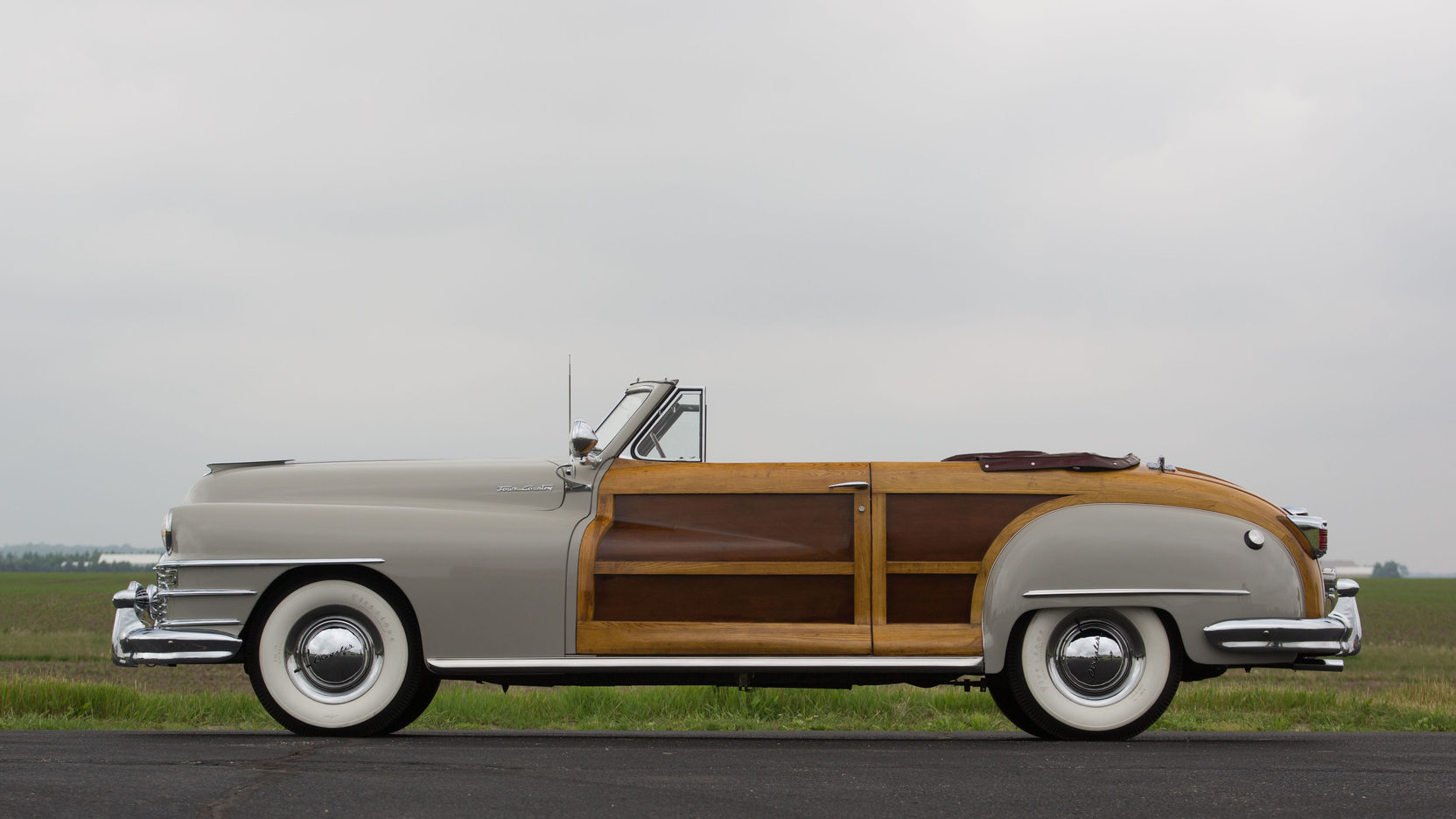 1946 1949 Chrysler Town Country Convertible Gallery 682957 Top Although The Is Mostly Known As Minivan That Company Launched In 1989 A More Luxurious Alternative To Popular Dodge
