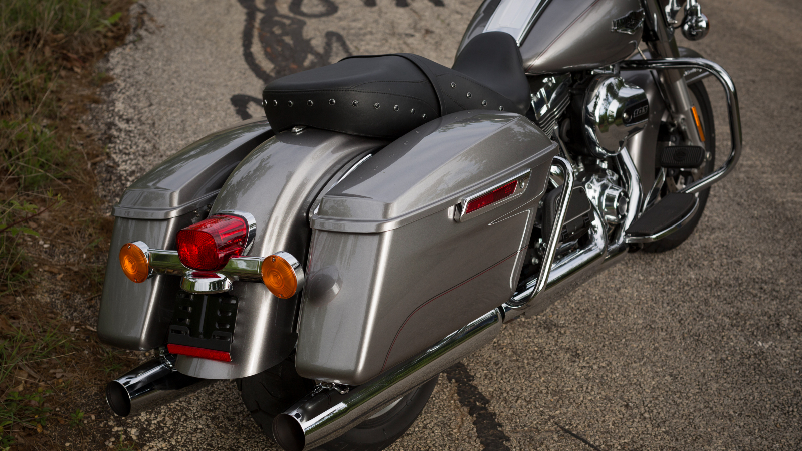 transmission oil capacity road king