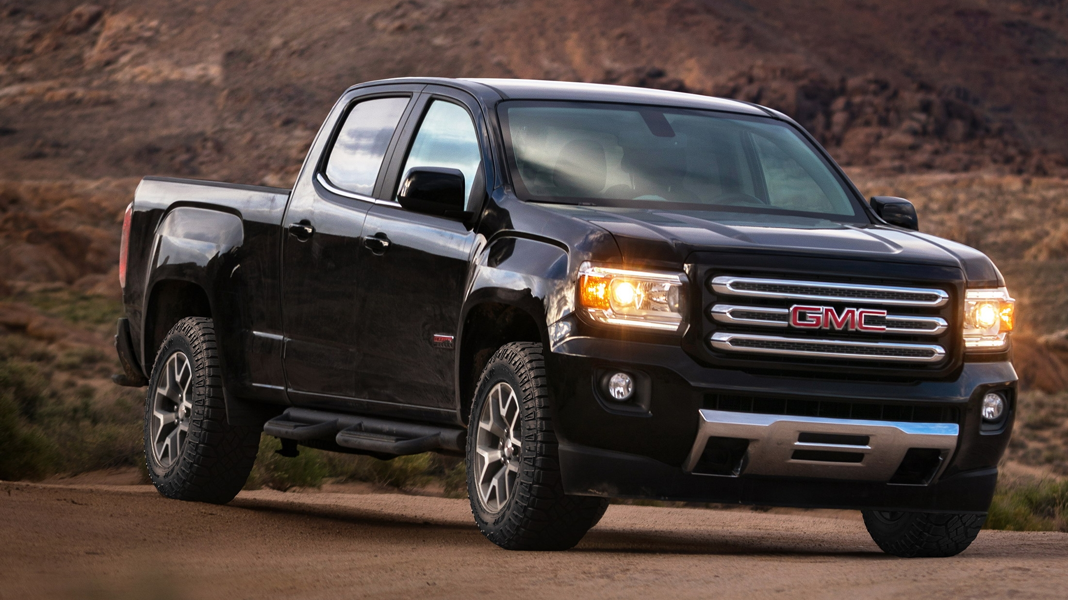 2017 gmc canyon all terrain x pictures photos wallpapers top speed. Black Bedroom Furniture Sets. Home Design Ideas