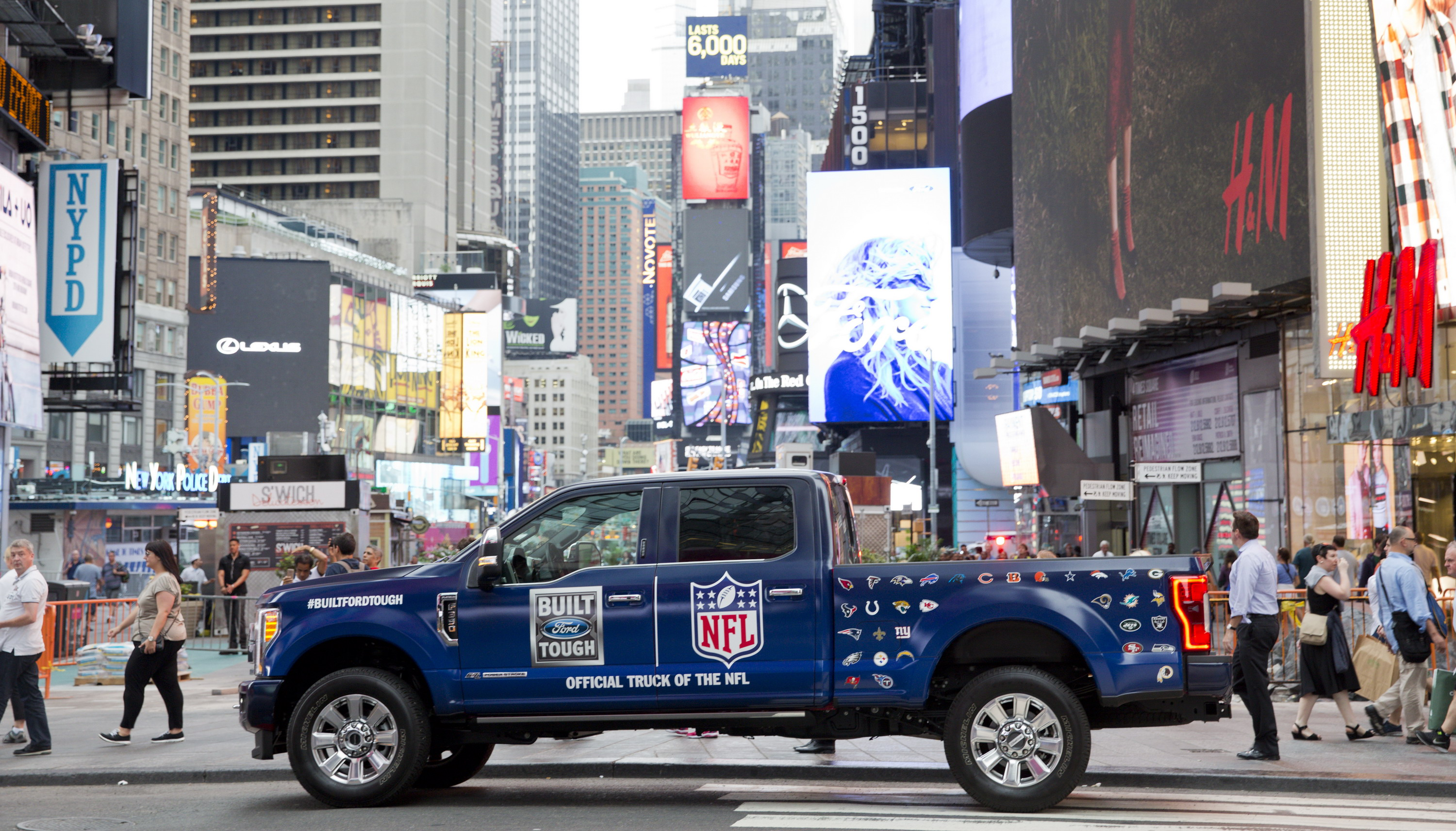 ford f series now official truck of the nfl news top speed. Black Bedroom Furniture Sets. Home Design Ideas