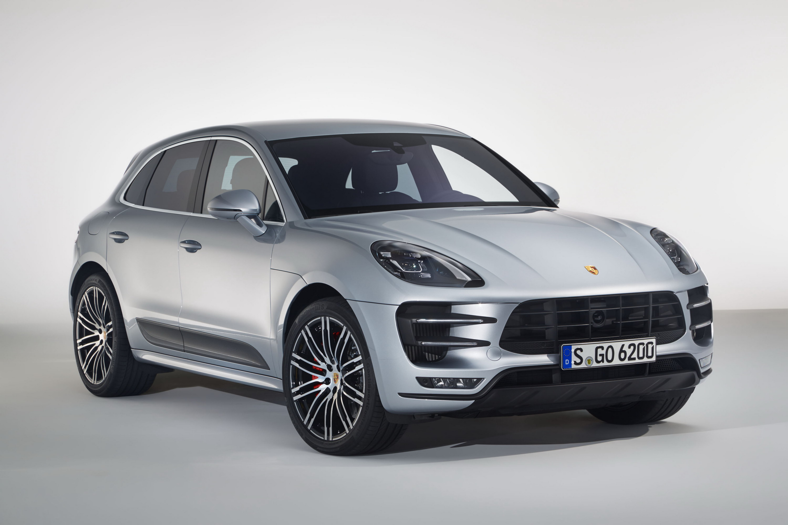 2017 Porsche Macan Turbo With Performance Package | Top Speed