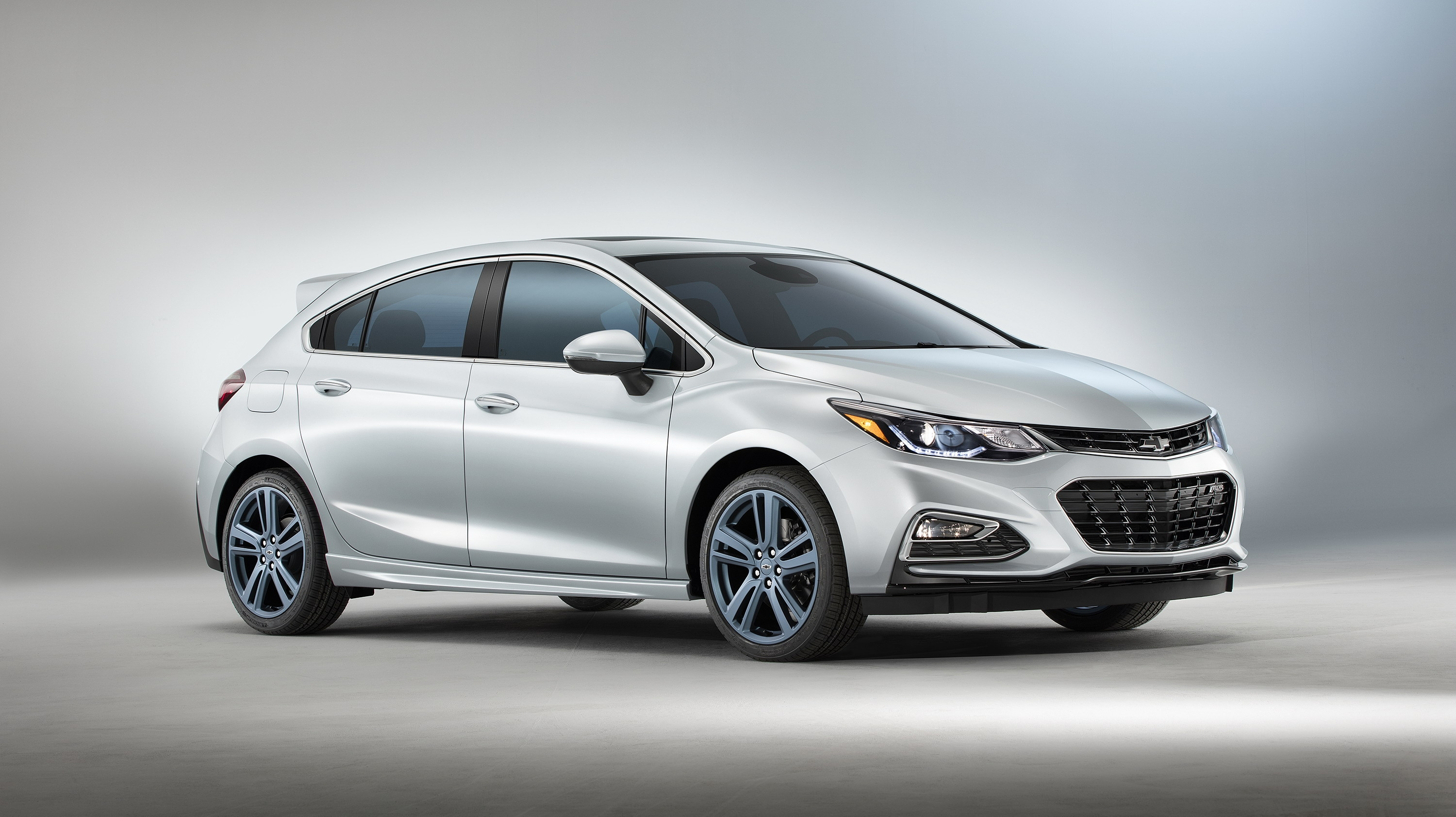 2017 chevrolet cruze rs hatch blue line review gallery top speed. Black Bedroom Furniture Sets. Home Design Ideas