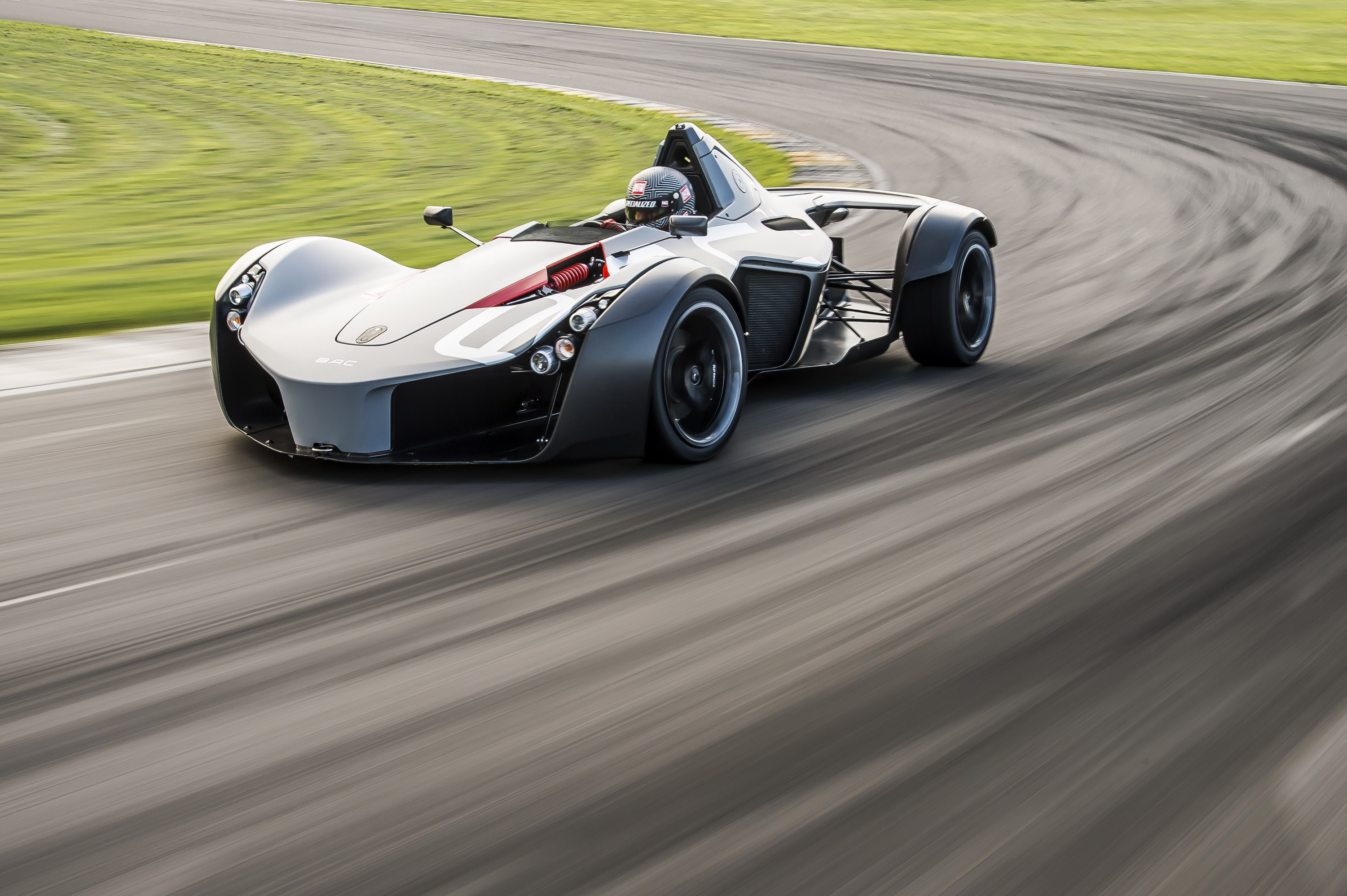 Top 10 Fastest Cars >> BAC Mono Sets New Speed Record At Anglesey Coastal Circuit ...