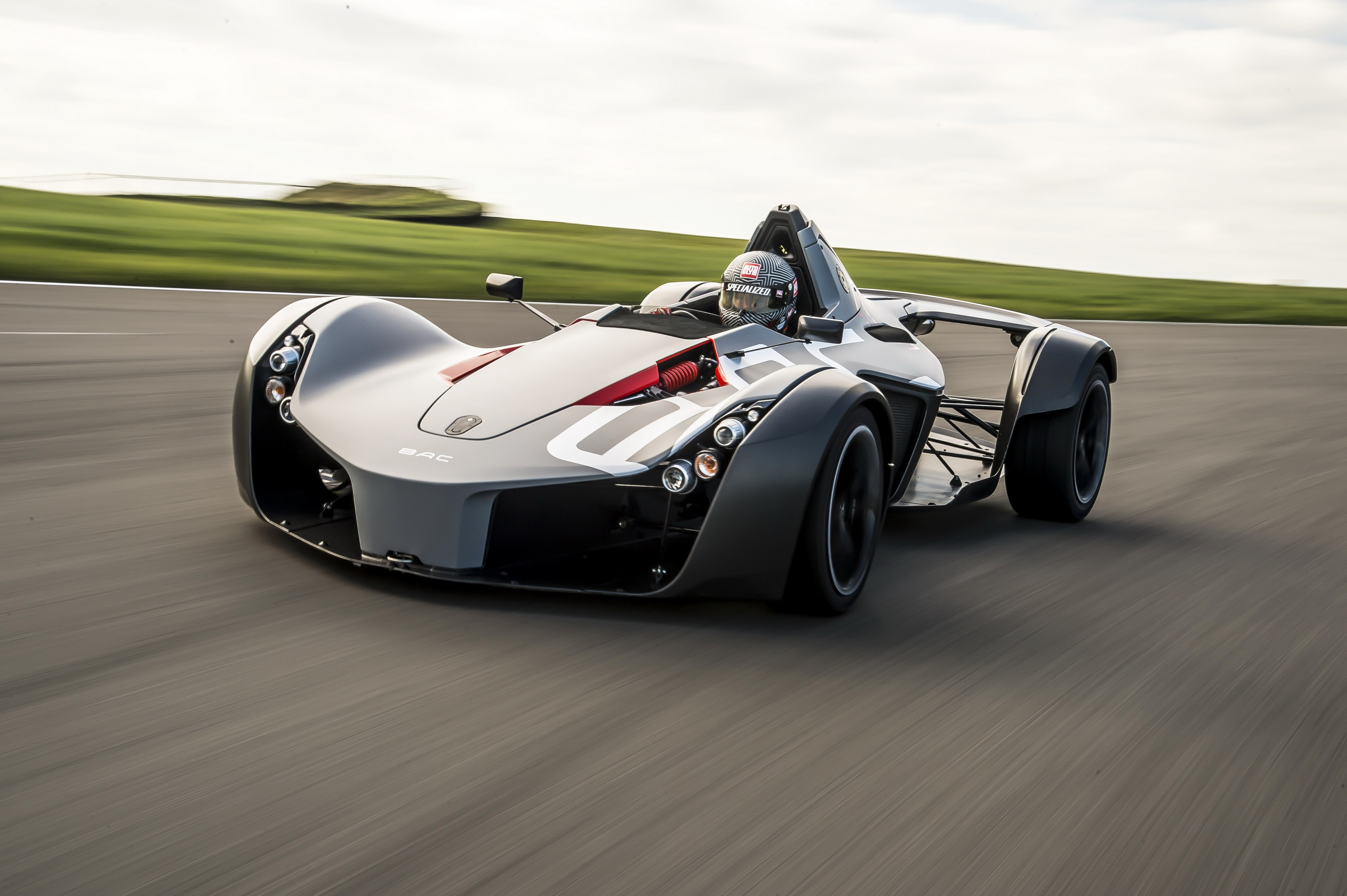 BAC Mono Sets New Speed Record At Anglesey Coastal Circuit | Top Speed